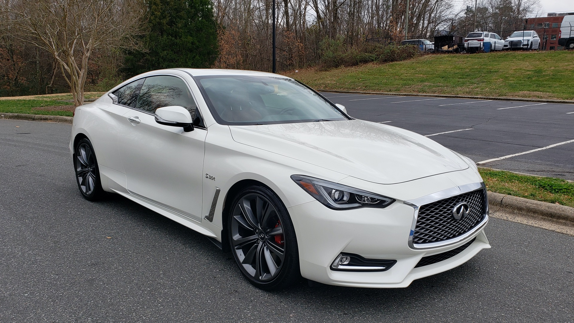 Used 2018 INFINITI Q60 RED SPORT 400 / SENSORY PKG / SUNROOF / NAV / REARVIEW for sale Sold at Formula Imports in Charlotte NC 28227 4