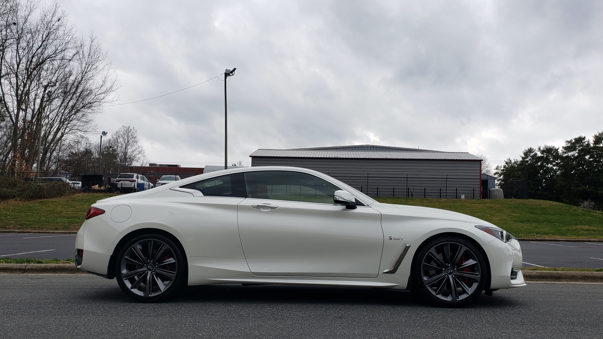 Used 2018 Infiniti Q60 RED SPORT 400 / SENSORY PKG / SUNROOF / NAV / REARVIEW for sale Sold at Formula Imports in Charlotte NC 28227 5