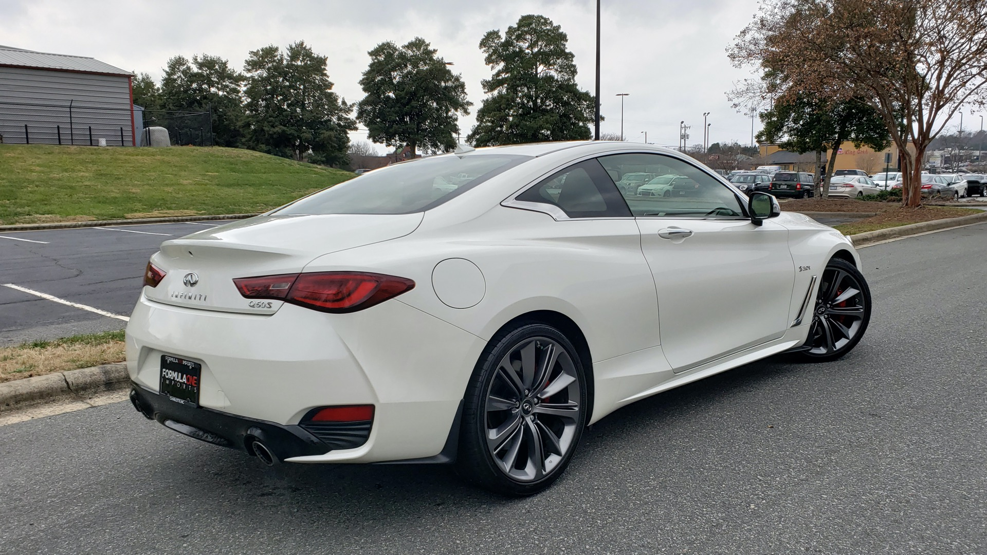 Used 2018 INFINITI Q60 RED SPORT 400 / SENSORY PKG / SUNROOF / NAV / REARVIEW for sale Sold at Formula Imports in Charlotte NC 28227 6