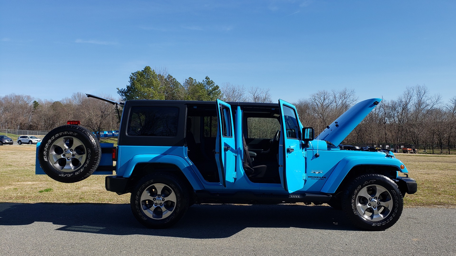 Used 2017 Jeep WRANGLER UNLIMITED SAHARA 4X4 / FREEDOM TOP / V6 / AUTO / A/C for sale Sold at Formula Imports in Charlotte NC 28227 16