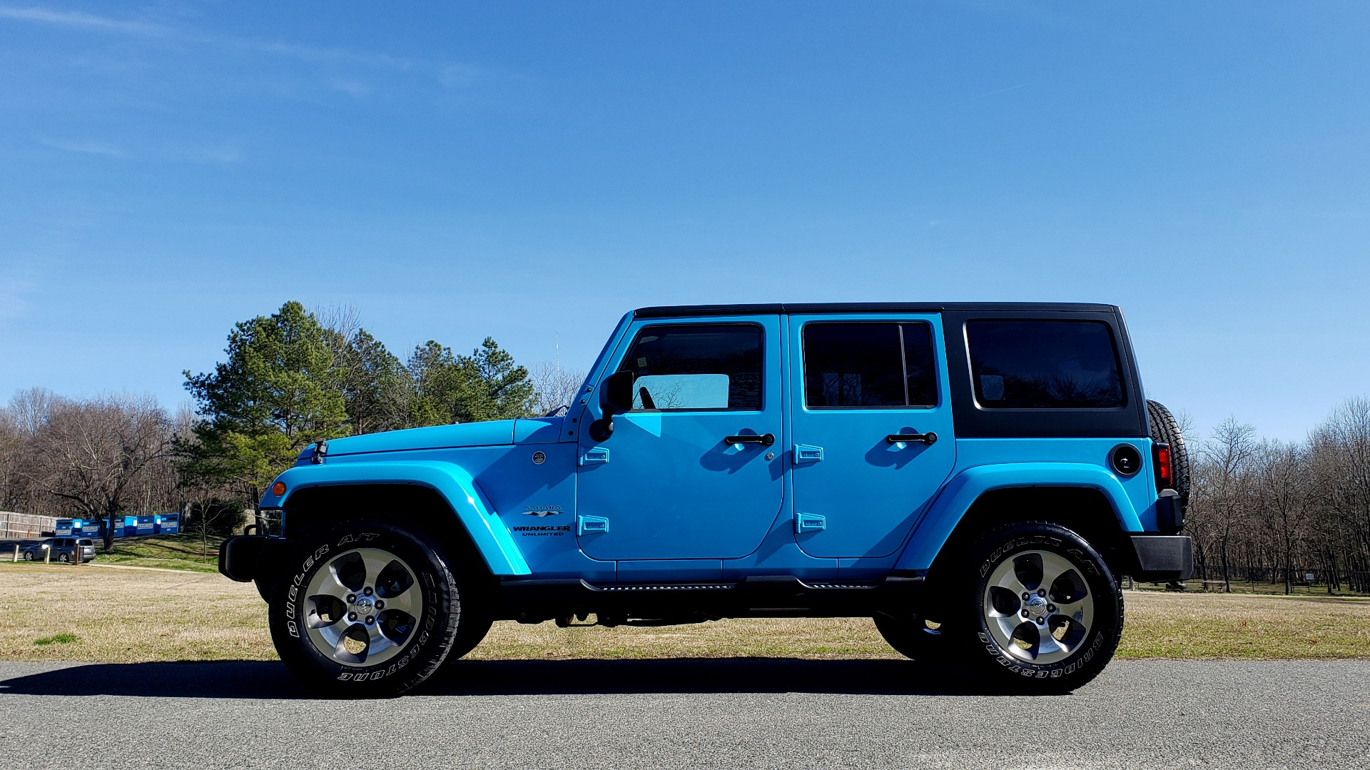 Used 2017 Jeep WRANGLER UNLIMITED SAHARA 4X4 / FREEDOM TOP / V6 / AUTO / A/C for sale Sold at Formula Imports in Charlotte NC 28227 3