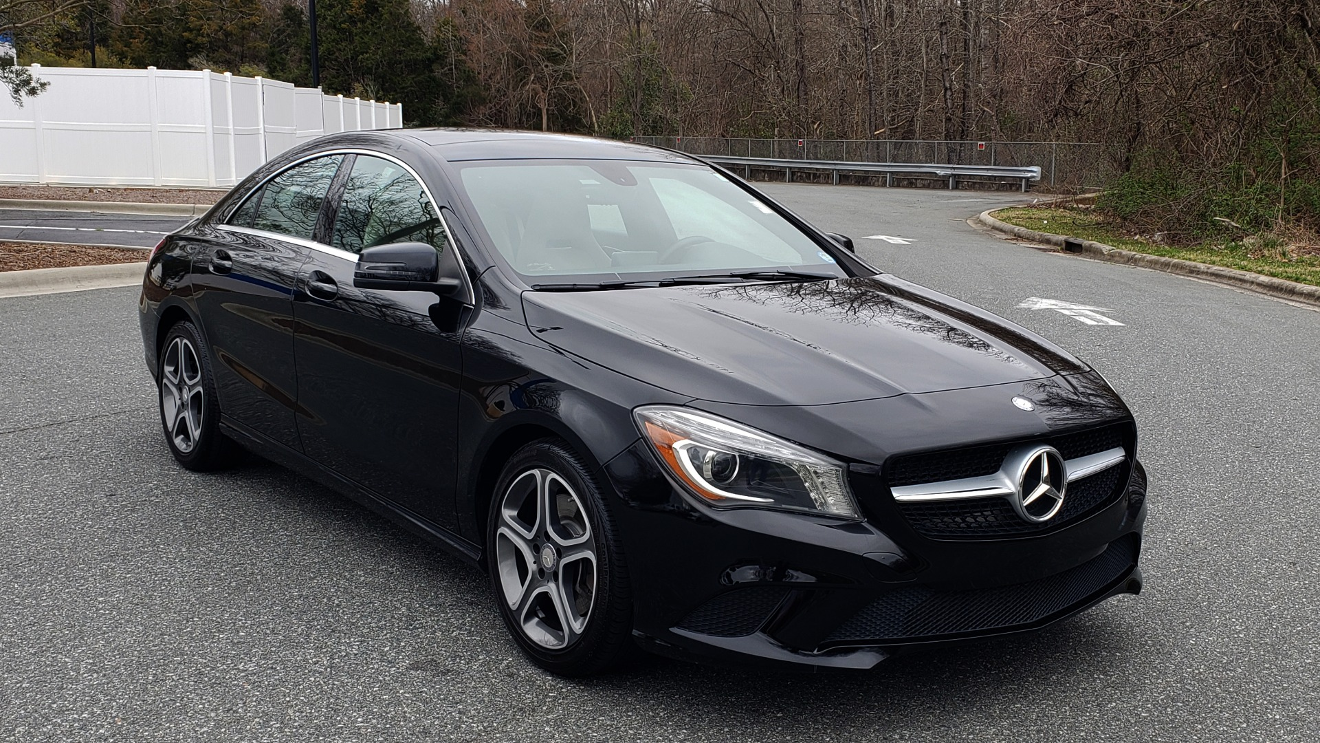 Used 2014 Mercedes-Benz CLA-Class CLA 250 PREM / MULTIMEDIA / NAV / PANO-ROOF / REARVIEW for sale Sold at Formula Imports in Charlotte NC 28227 4