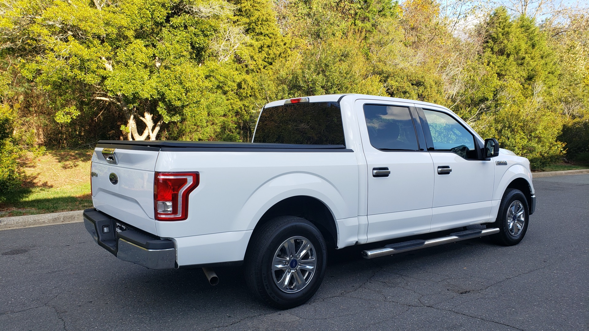 Used 2017 Ford F-150 XLT 4x2 SUPERCREW / V6 / AUTO / 145 WB / 5.6 BED for sale Sold at Formula Imports in Charlotte NC 28227 11