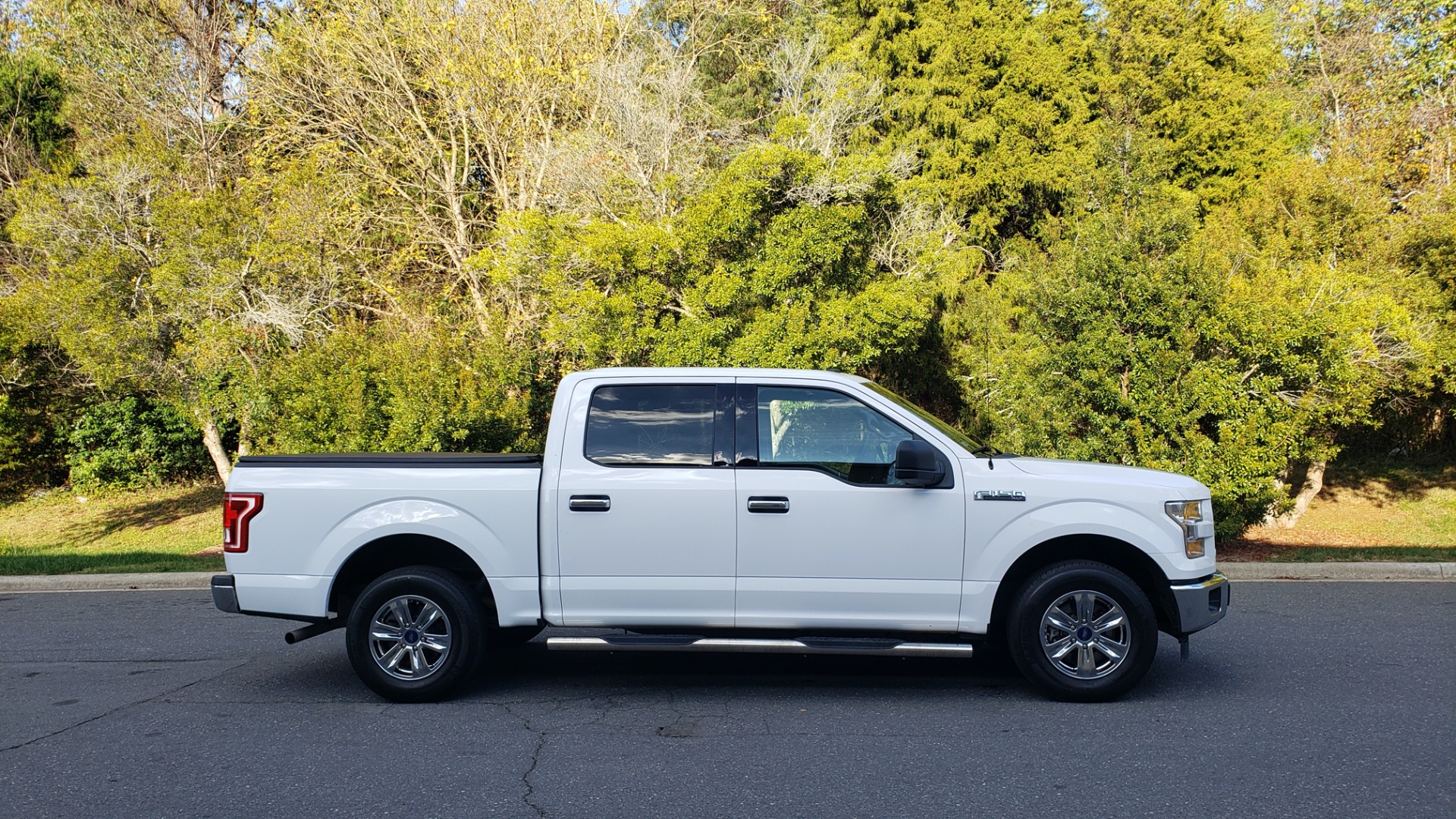 Used 2017 Ford F-150 XLT 4x2 SUPERCREW / V6 / AUTO / 145 WB / 5.6 BED for sale Sold at Formula Imports in Charlotte NC 28227 12