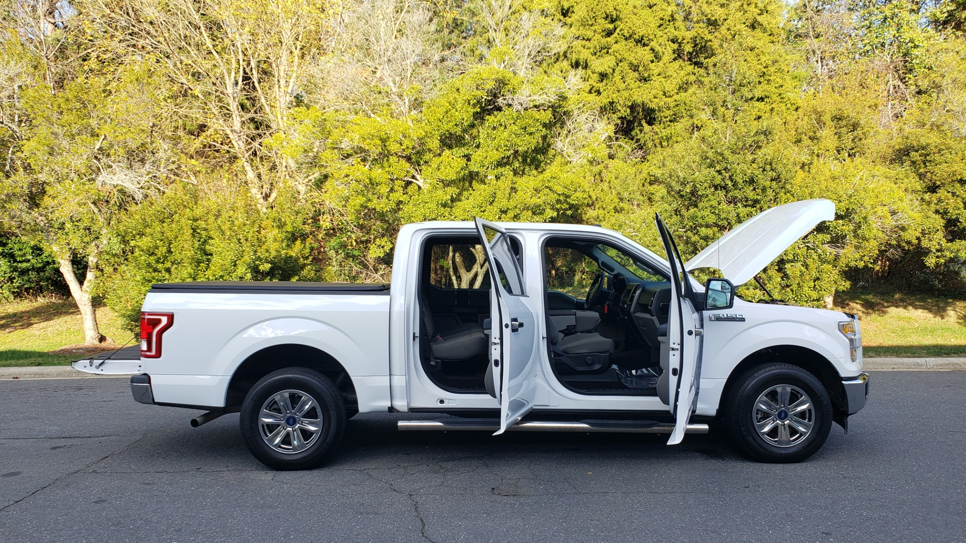 Used 2017 Ford F-150 XLT 4x2 SUPERCREW / V6 / AUTO / 145 WB / 5.6 BED for sale Sold at Formula Imports in Charlotte NC 28227 16