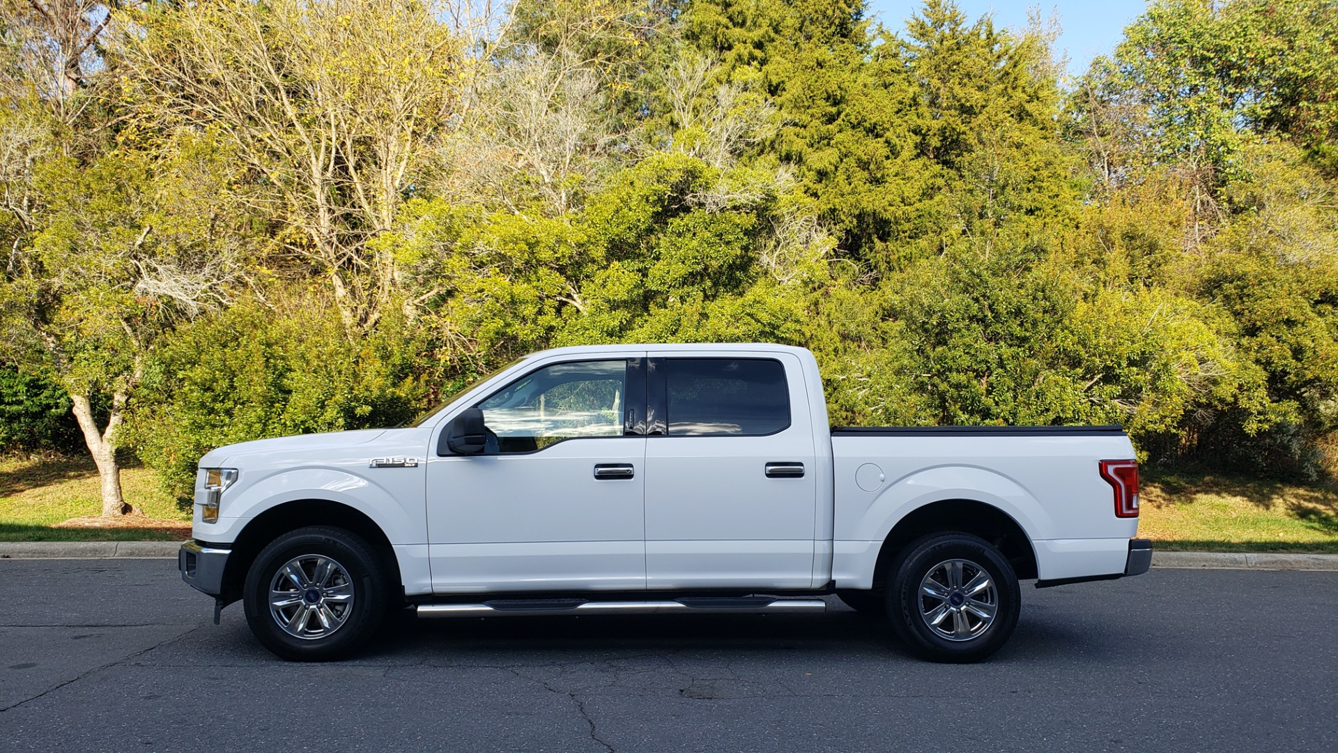 Used 2017 Ford F-150 XLT 4x2 SUPERCREW / V6 / AUTO / 145 WB / 5.6 BED for sale Sold at Formula Imports in Charlotte NC 28227 2