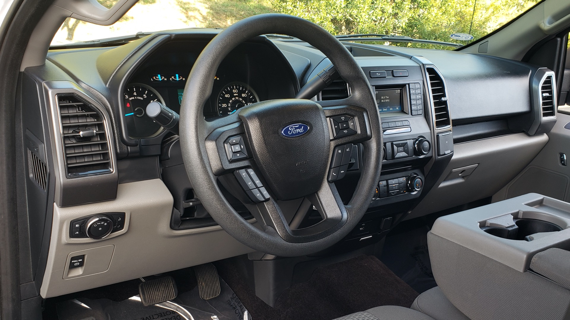 Used 2017 Ford F-150 XLT 4x2 SUPERCREW / V6 / AUTO / 145 WB / 5.6 BED for sale Sold at Formula Imports in Charlotte NC 28227 41