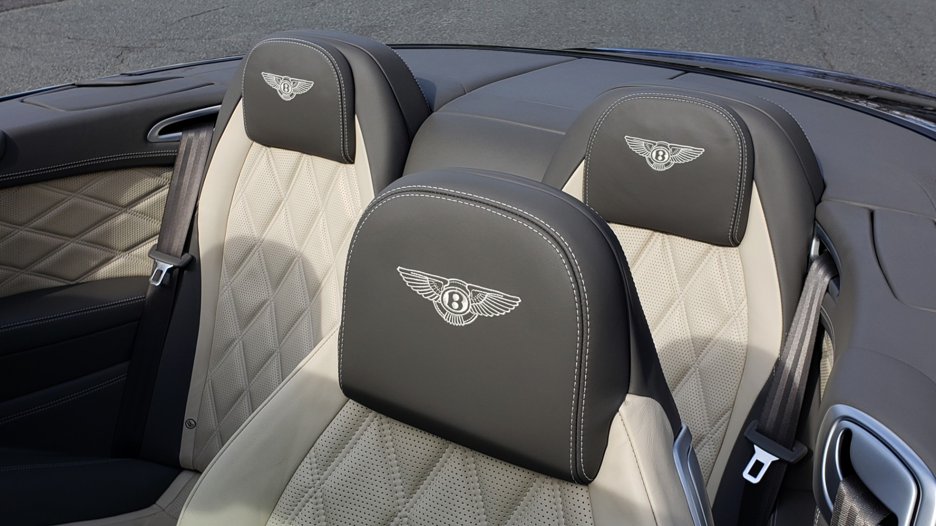 Used 2015 Bentley CONTINENTAL SPEED CONV / 6.0L W12 / NAV / VENT SEATS / REARVIEW for sale Sold at Formula Imports in Charlotte NC 28227 39