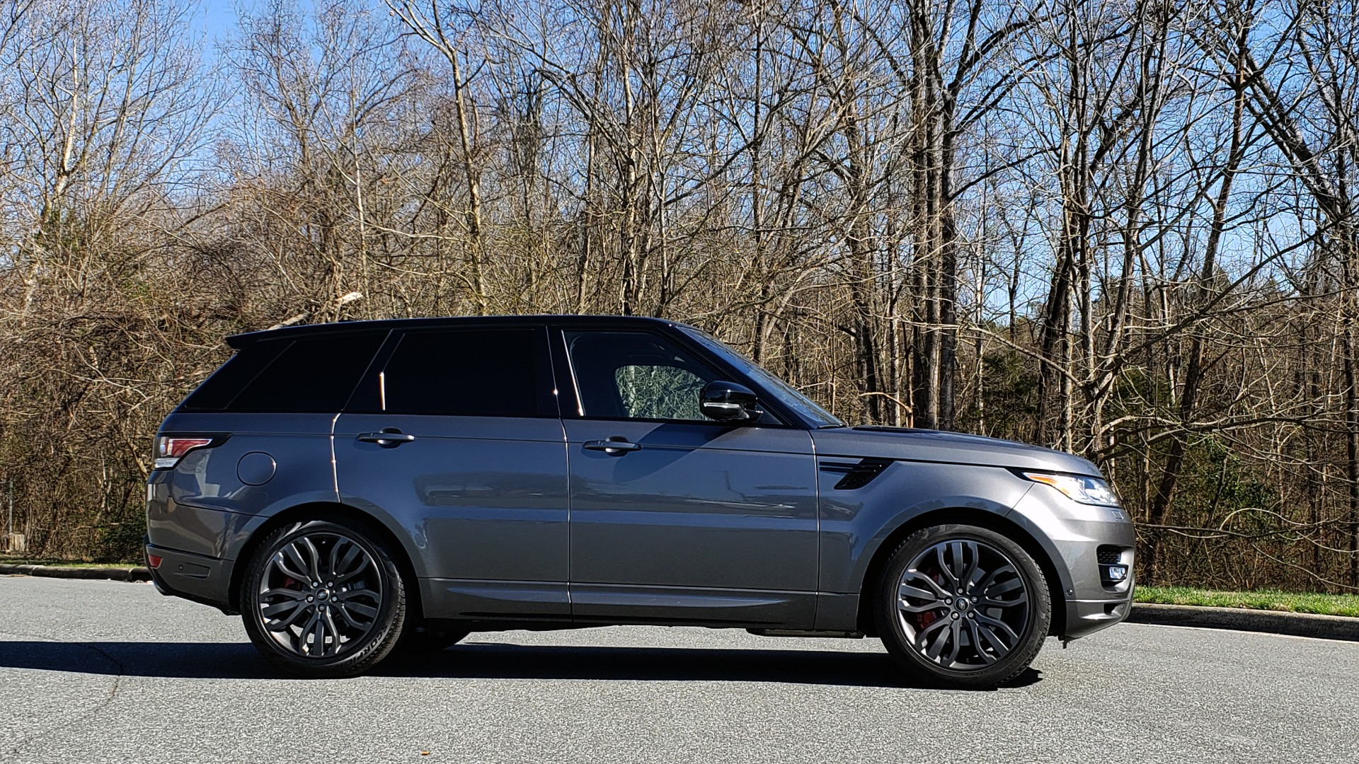 Used 2017 Land Rover RANGE ROVER SPORT HSE DYNAMIC / NAV / SUNROOF / REARVIEW for sale Sold at Formula Imports in Charlotte NC 28227 5