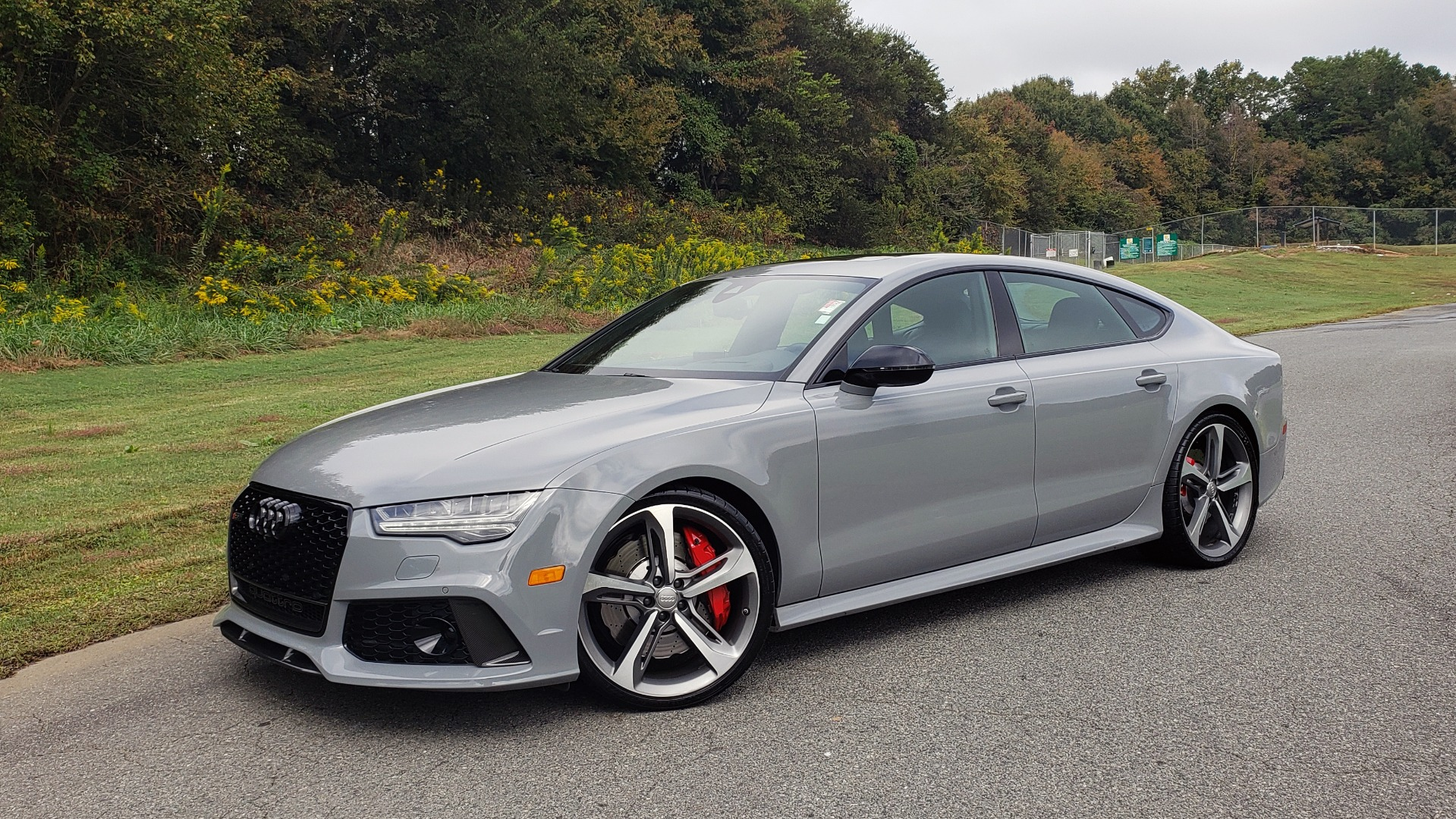 Used 2018 Audi RS 7 4.0T TIPTRONIC / CARBON OPTIC / DRVR ASST / NAV / REARVIEW for sale $91,625 at Formula One Imports in Charlotte NC 28227 2