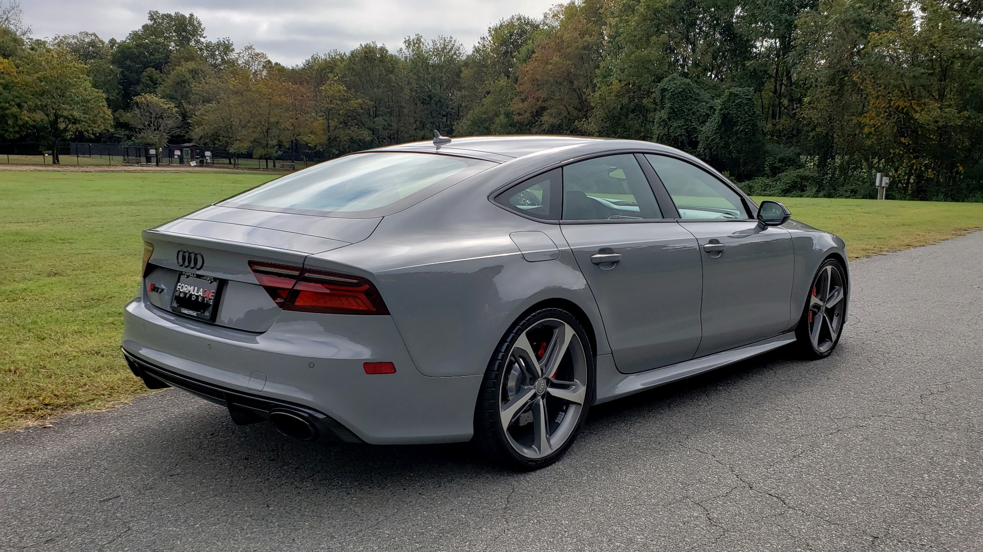 Used 2018 Audi RS 7 4.0T TIPTRONIC / CARBON OPTIC / DRVR ASST / NAV / REARVIEW for sale $91,625 at Formula One Imports in Charlotte NC 28227 3