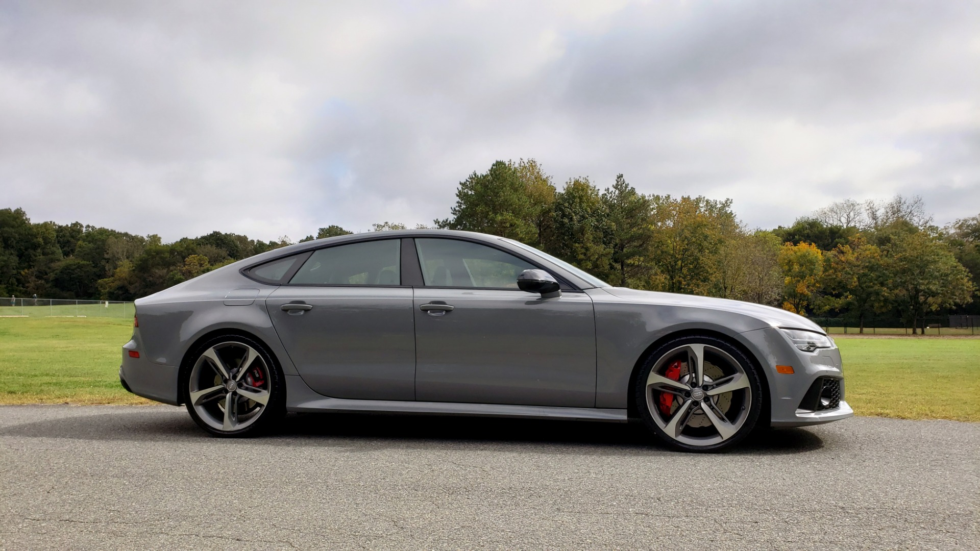 Used 2018 Audi RS 7 4.0T TIPTRONIC / CARBON OPTIC / DRVR ASST / NAV / REARVIEW for sale $91,625 at Formula One Imports in Charlotte NC 28227 4