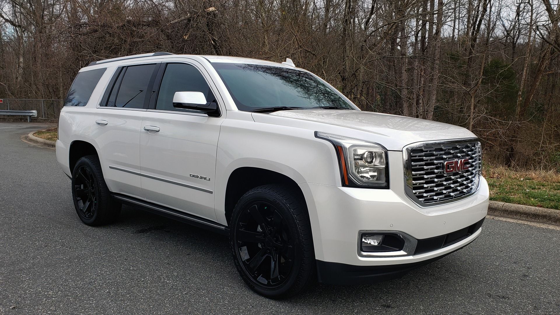 Used 2018 GMC YUKON DENALI 4WD / NAV / SUNROOF / BOSE / 3-ROW / REARVIEW for sale Sold at Formula Imports in Charlotte NC 28227 4