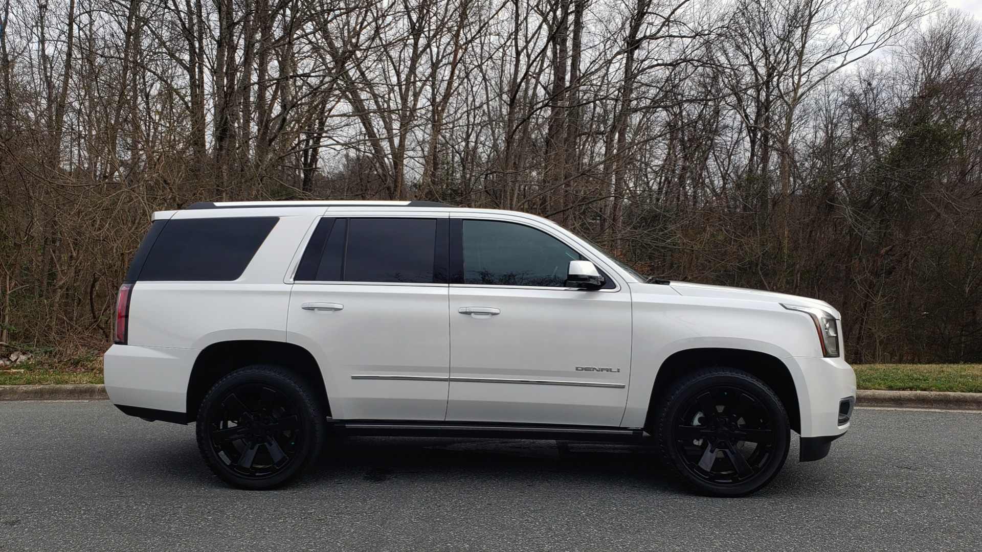 Used 2018 GMC YUKON DENALI 4WD / NAV / SUNROOF / BOSE / 3-ROW / REARVIEW for sale Sold at Formula Imports in Charlotte NC 28227 5