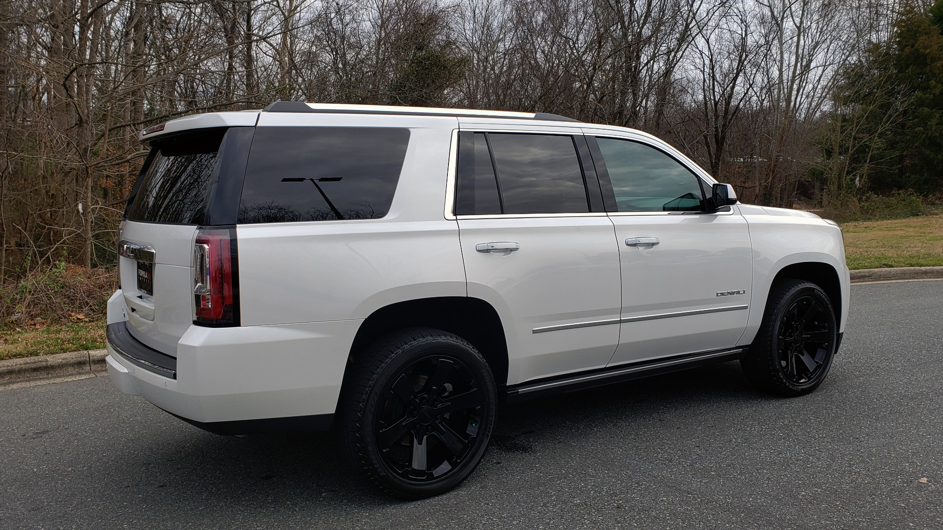 Used 2018 GMC YUKON DENALI 4WD / NAV / SUNROOF / BOSE / 3-ROW / REARVIEW for sale Sold at Formula Imports in Charlotte NC 28227 6