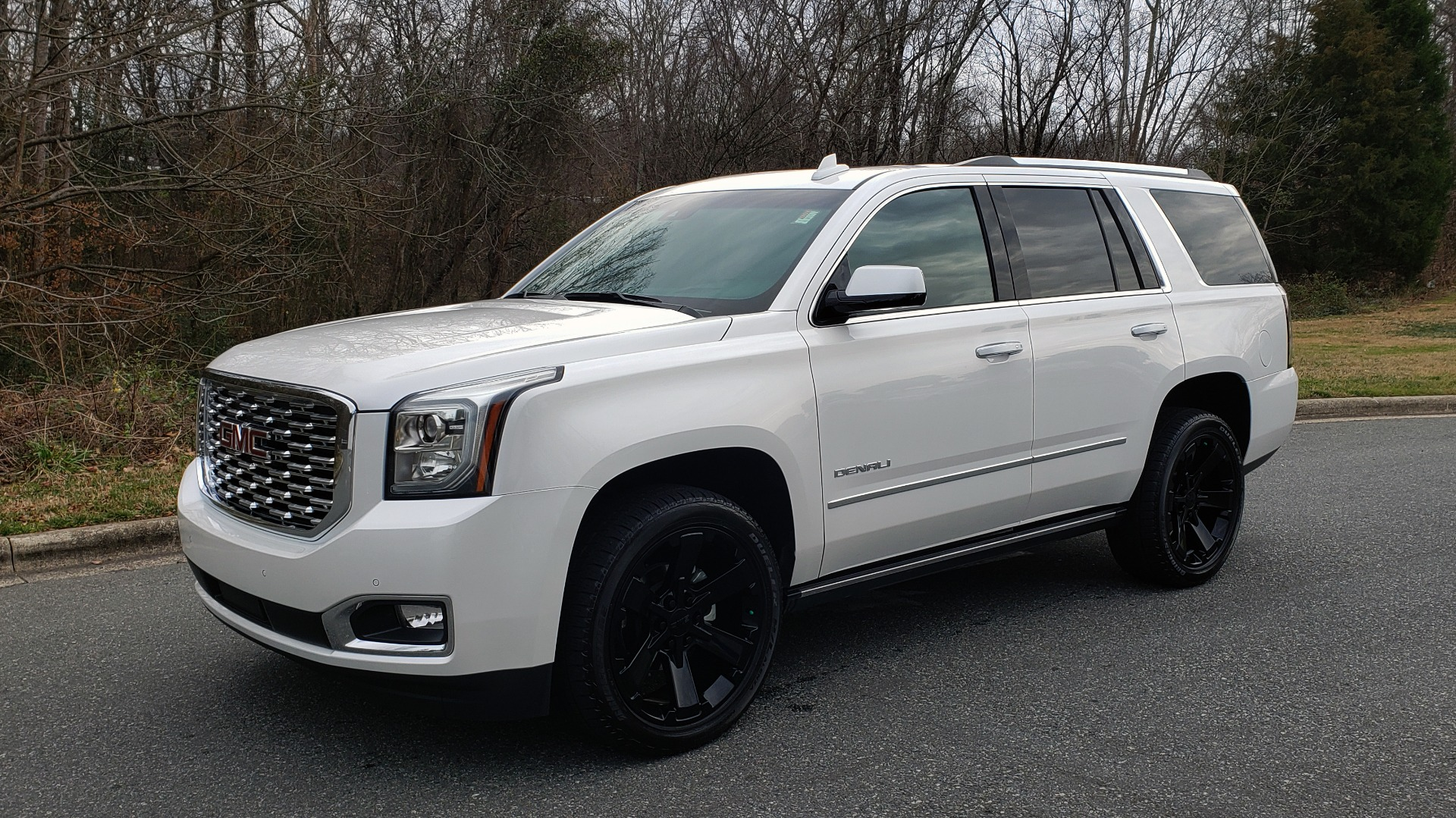 Used 2018 GMC YUKON DENALI 4WD / NAV / SUNROOF / BOSE / 3-ROW / REARVIEW for sale Sold at Formula Imports in Charlotte NC 28227 1