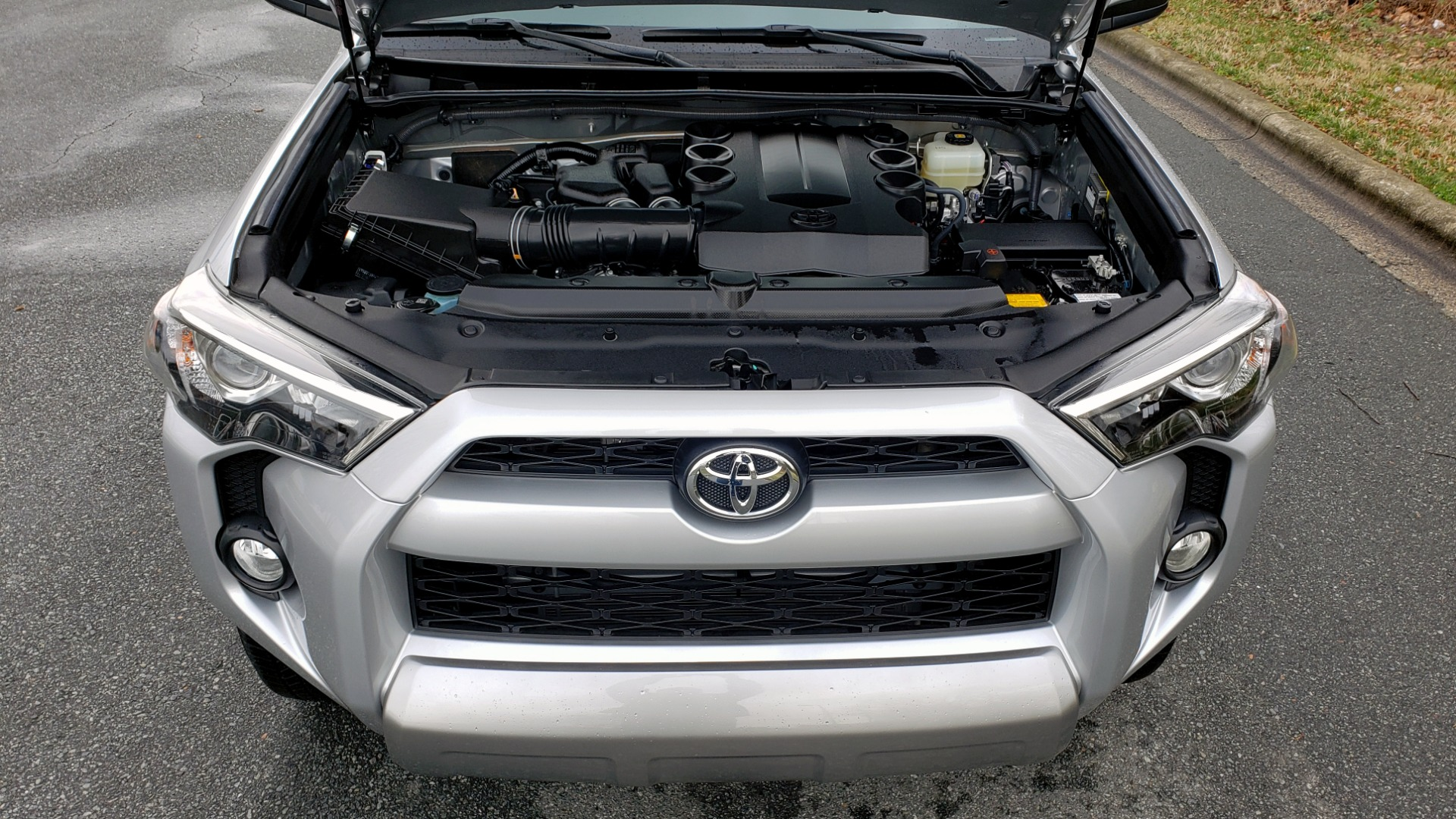 Used 2018 Toyota 4RUNNER TRD OFF-ROAD 4X4 / V6 / AUTO / LEATHER / LOW MILES! for sale Sold at Formula Imports in Charlotte NC 28227 15