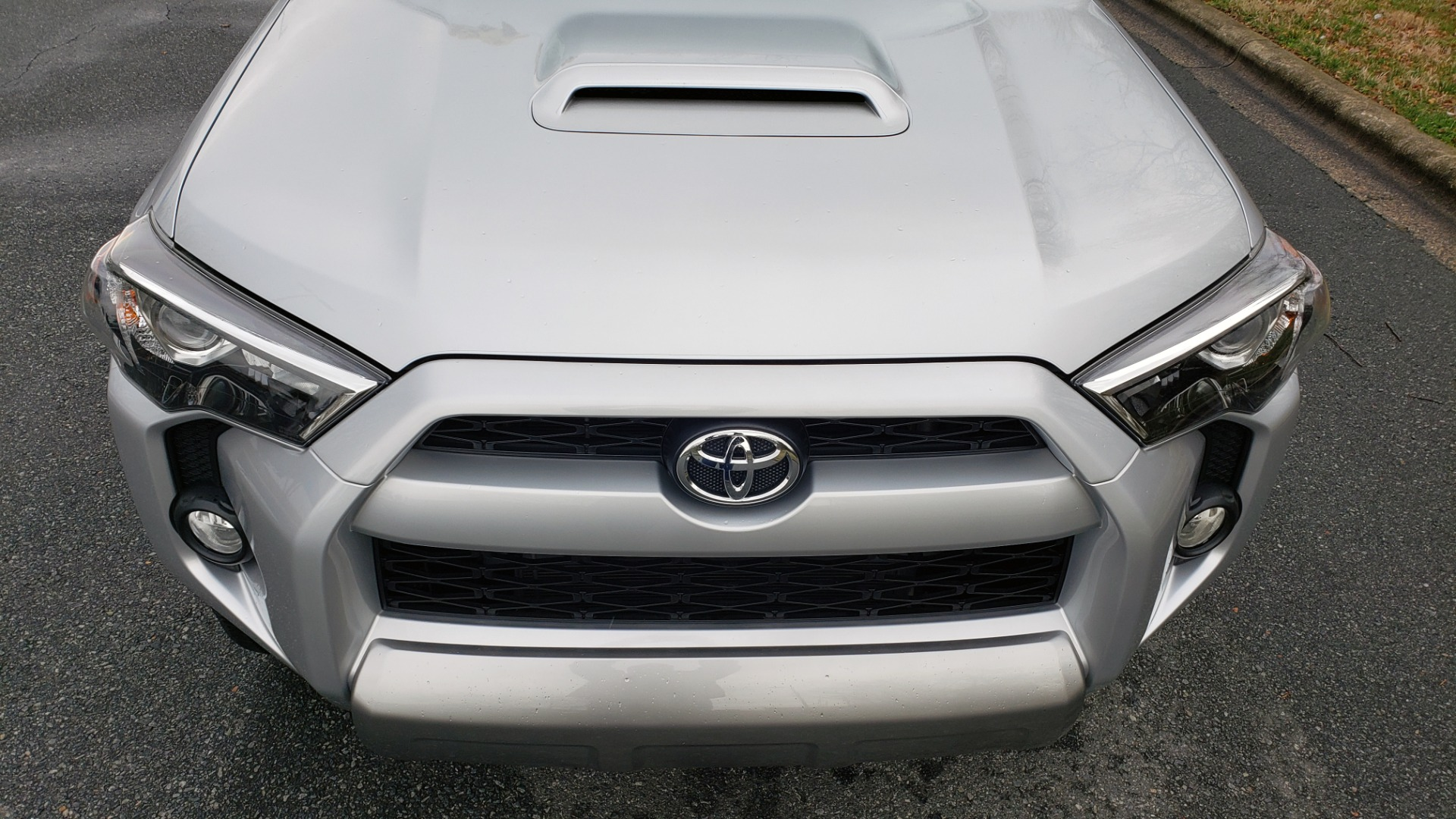 Used 2018 Toyota 4RUNNER TRD OFF-ROAD 4X4 / V6 / AUTO / LEATHER / LOW MILES! for sale Sold at Formula Imports in Charlotte NC 28227 18