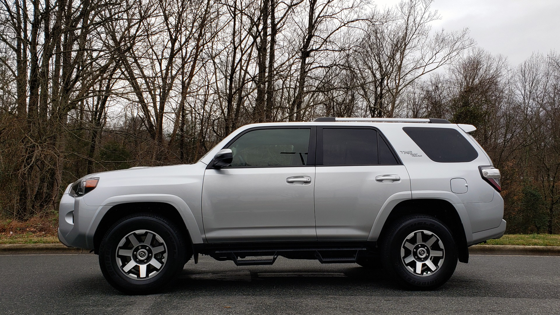 Used 2018 Toyota 4RUNNER TRD OFF-ROAD 4X4 / V6 / AUTO / LEATHER / LOW MILES! for sale Sold at Formula Imports in Charlotte NC 28227 2