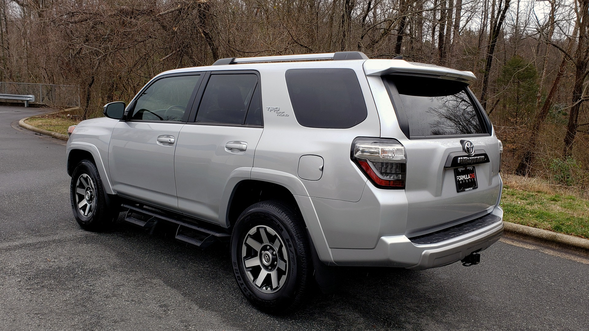 Used 2018 Toyota 4RUNNER TRD OFF-ROAD 4X4 / V6 / AUTO / LEATHER / LOW MILES! for sale Sold at Formula Imports in Charlotte NC 28227 3
