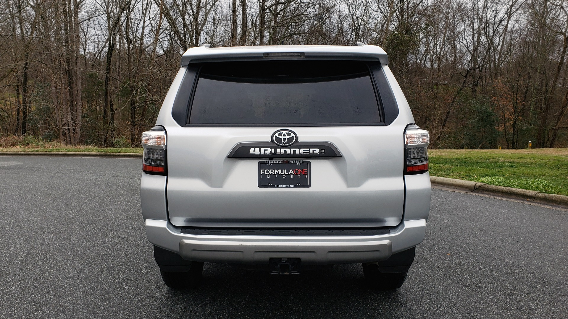 Used 2018 Toyota 4RUNNER TRD OFF-ROAD 4X4 / V6 / AUTO / LEATHER / LOW MILES! for sale Sold at Formula Imports in Charlotte NC 28227 32