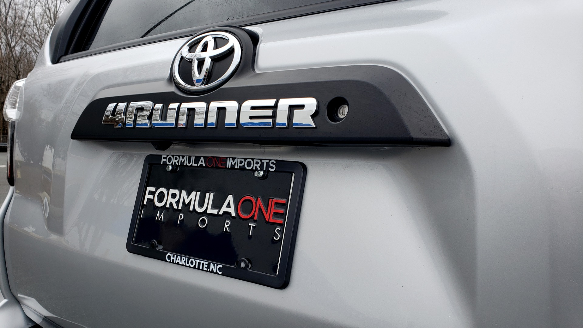 Used 2018 Toyota 4RUNNER TRD OFF-ROAD 4X4 / V6 / AUTO / LEATHER / LOW MILES! for sale Sold at Formula Imports in Charlotte NC 28227 35