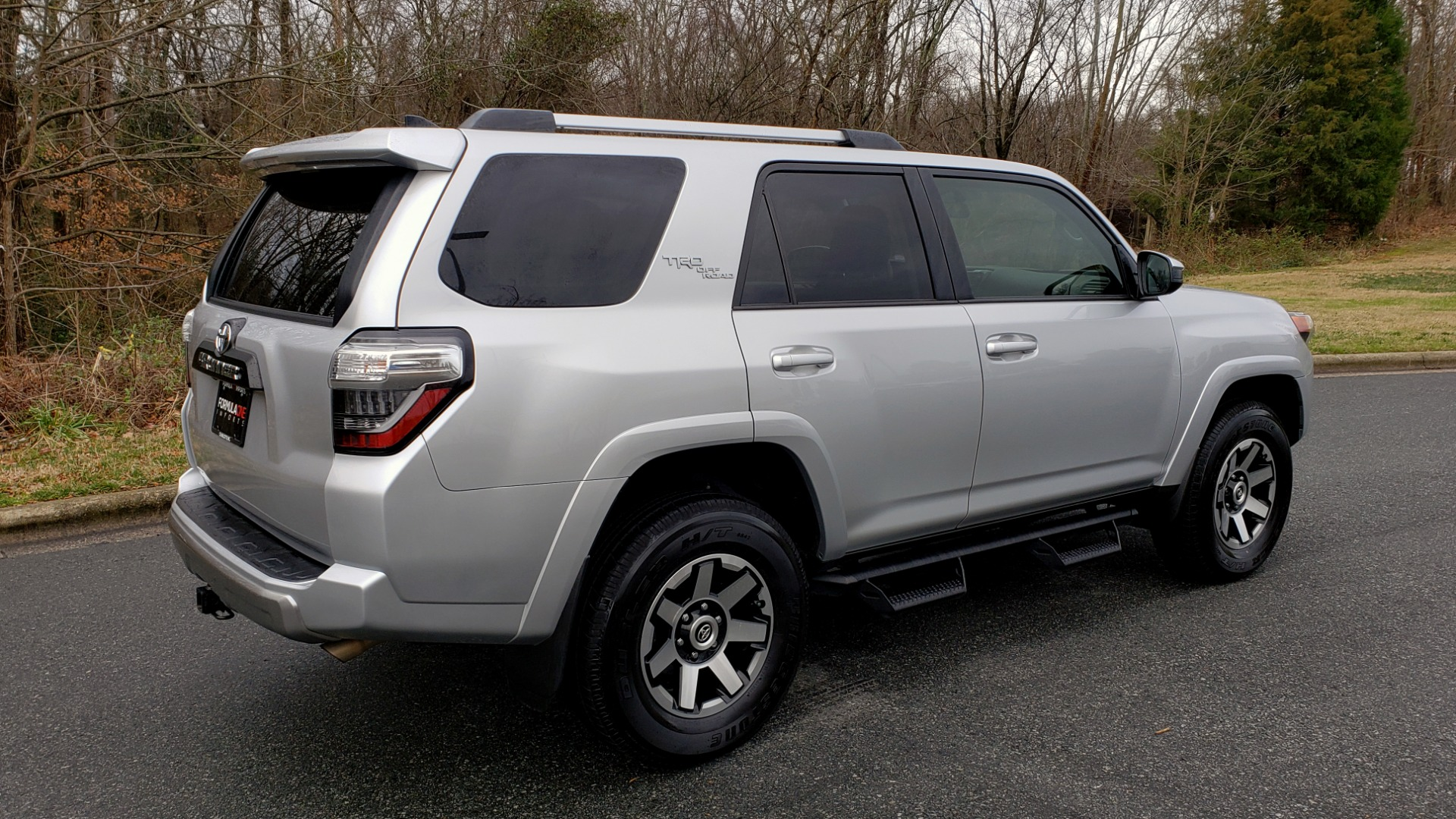 Used 2018 Toyota 4RUNNER TRD OFF-ROAD 4X4 / V6 / AUTO / LEATHER / LOW MILES! for sale Sold at Formula Imports in Charlotte NC 28227 6