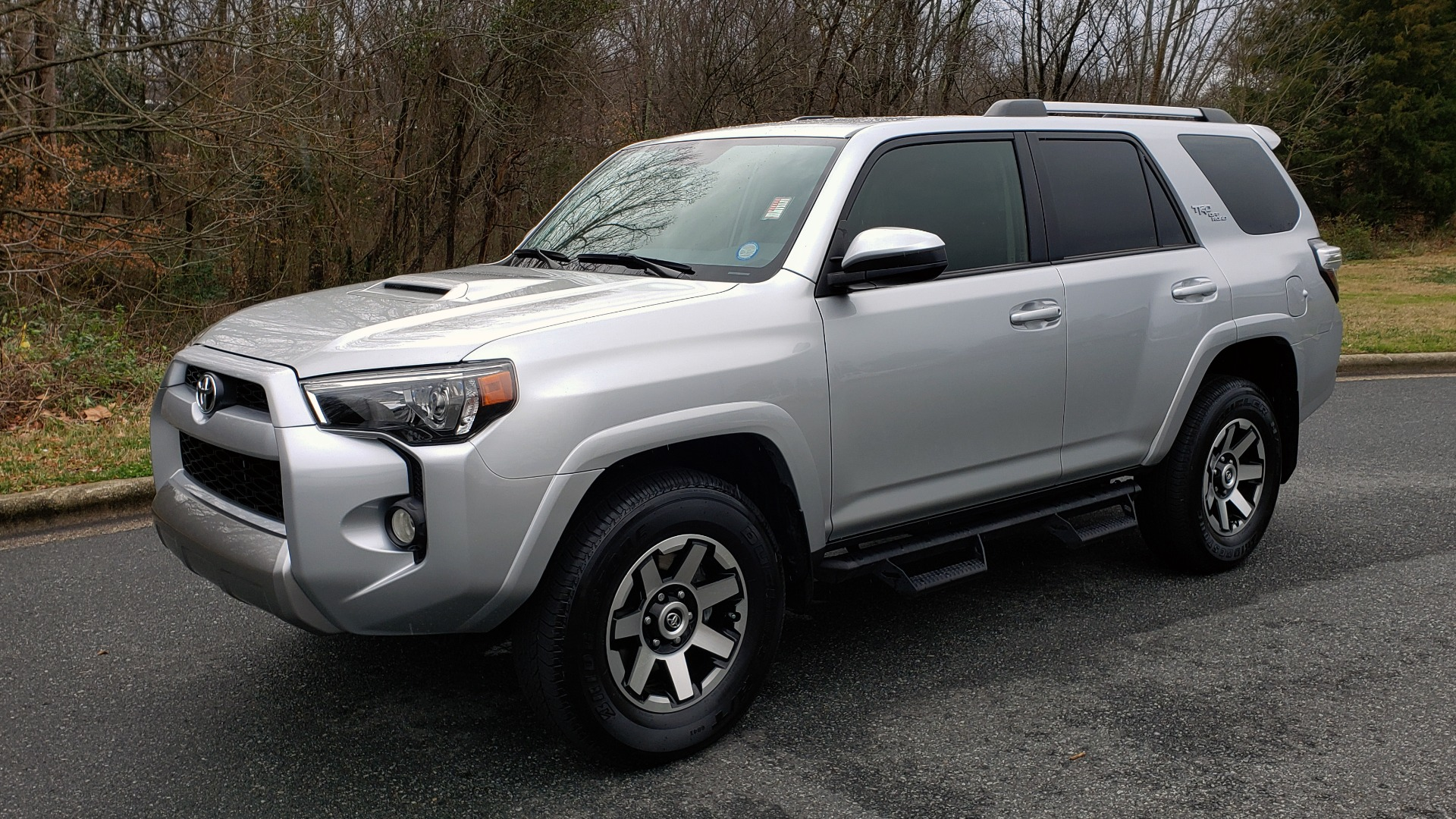 Used 2018 Toyota 4RUNNER TRD OFF-ROAD 4X4 / V6 / AUTO / LEATHER / LOW MILES! for sale Sold at Formula Imports in Charlotte NC 28227 1