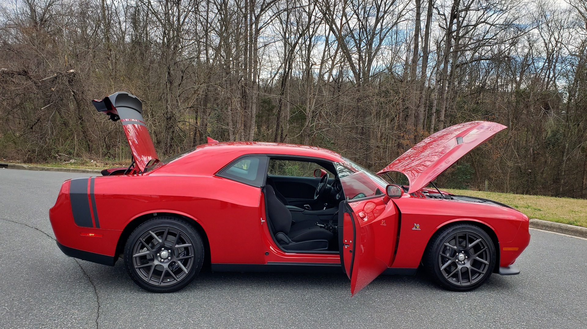 Used 2016 Dodge CHALLENGER R/T SCAT PACK / TECHNOLOGY / ALPINE / 6-SPEED MAN for sale Sold at Formula Imports in Charlotte NC 28227 13