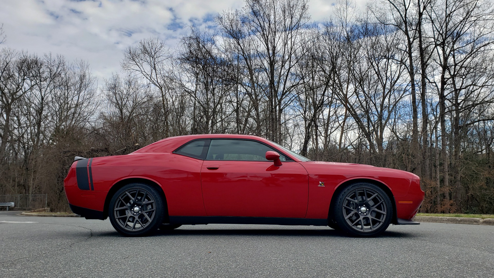 Used 2016 Dodge CHALLENGER R/T SCAT PACK / TECHNOLOGY / ALPINE / 6-SPEED MAN for sale Sold at Formula Imports in Charlotte NC 28227 6