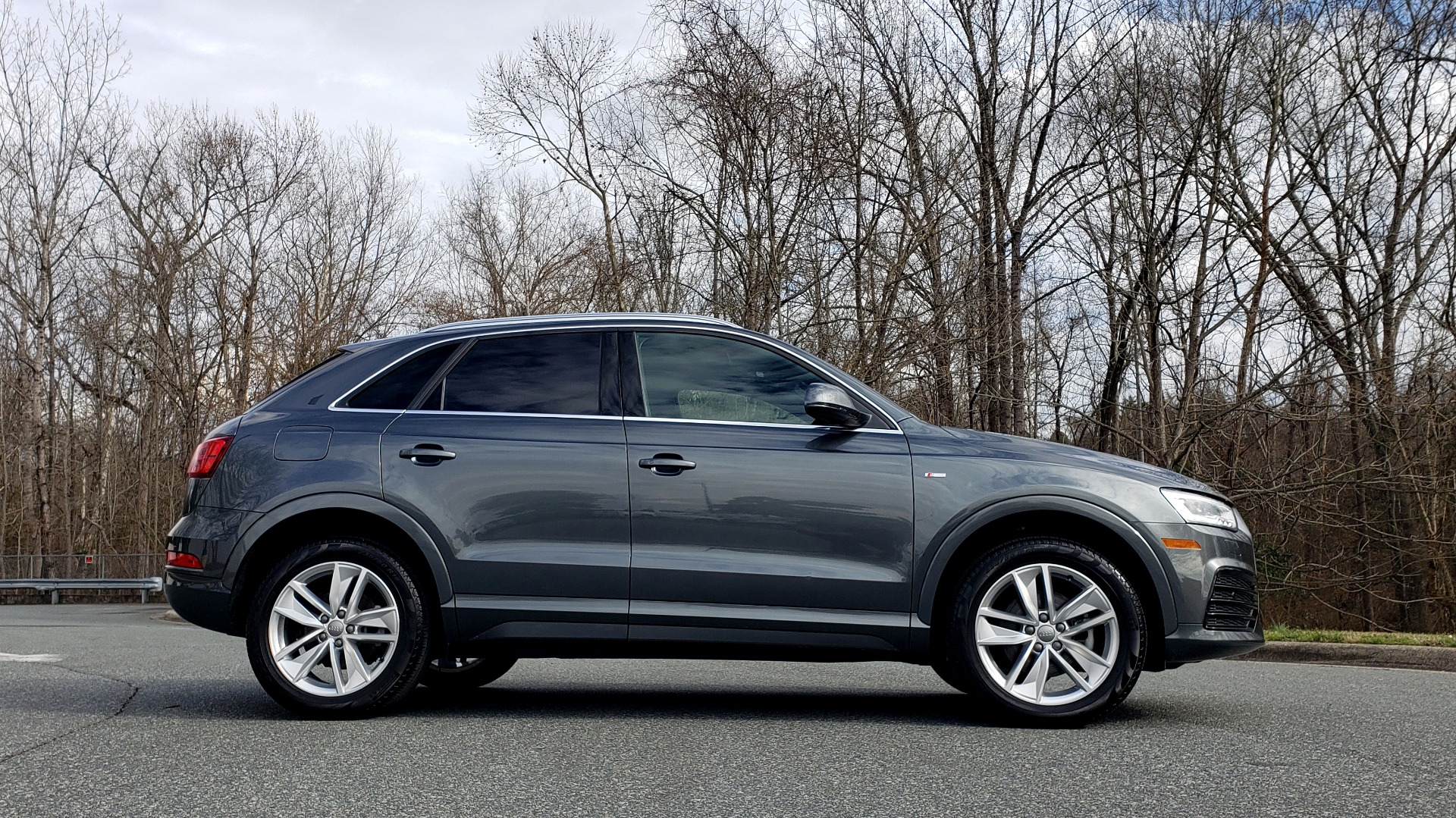 Used 2018 Audi Q3 2.0T PREMIUM PLUS / AWD / PANO-ROOF / REARVIEW for sale Sold at Formula Imports in Charlotte NC 28227 5