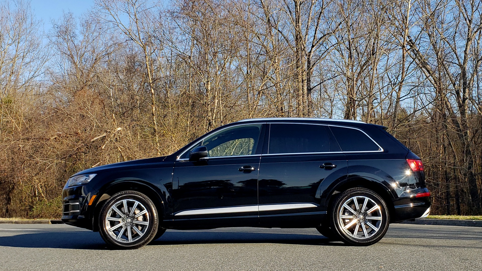 Used 2019 Audi Q7 PREMIUM PLUS / NAV / PANO-ROOF / 3-ROW / REARVIEW for sale Sold at Formula Imports in Charlotte NC 28227 2