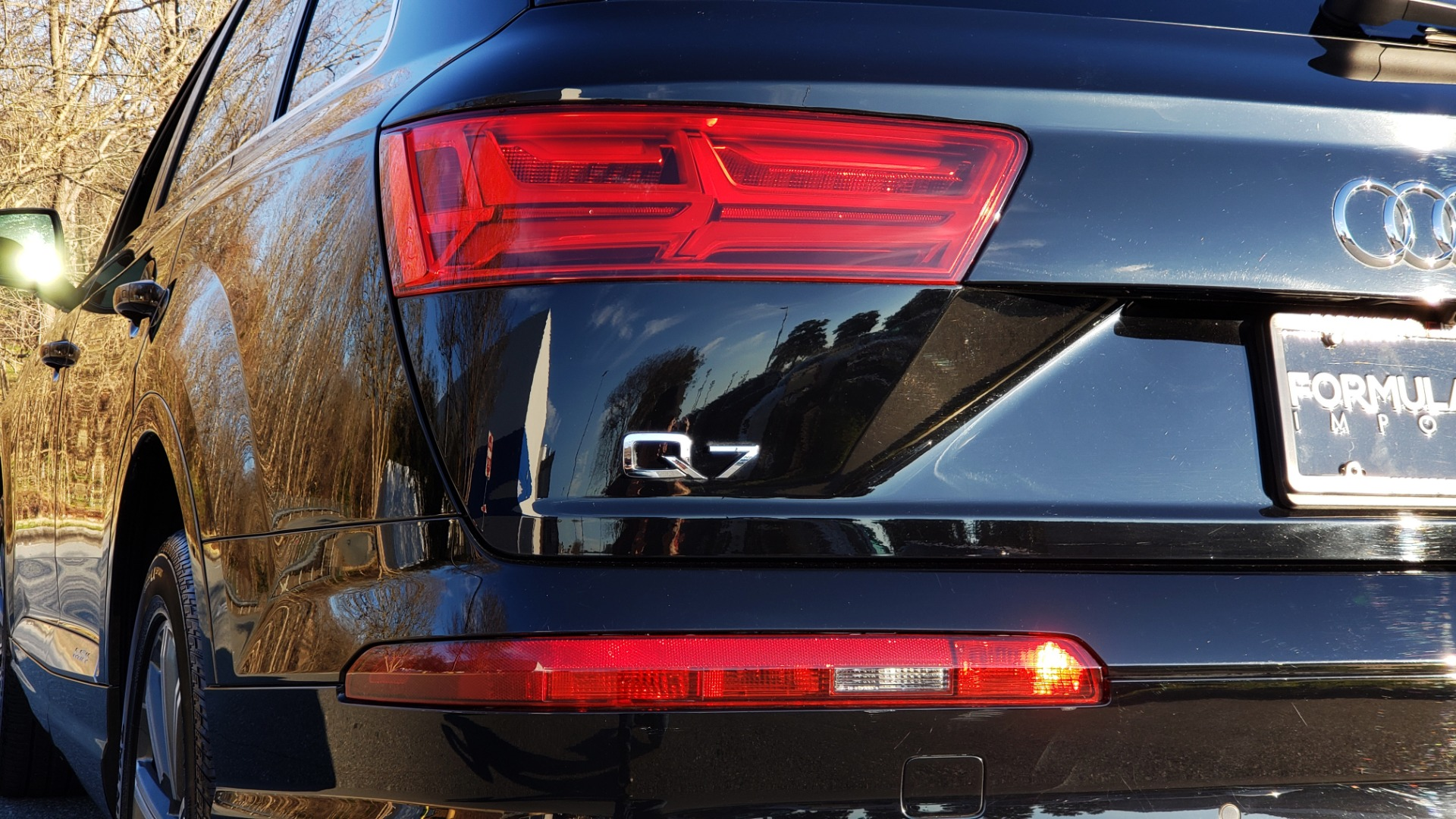 Used 2019 Audi Q7 PREMIUM PLUS / NAV / PANO-ROOF / 3-ROW / REARVIEW for sale Sold at Formula Imports in Charlotte NC 28227 27