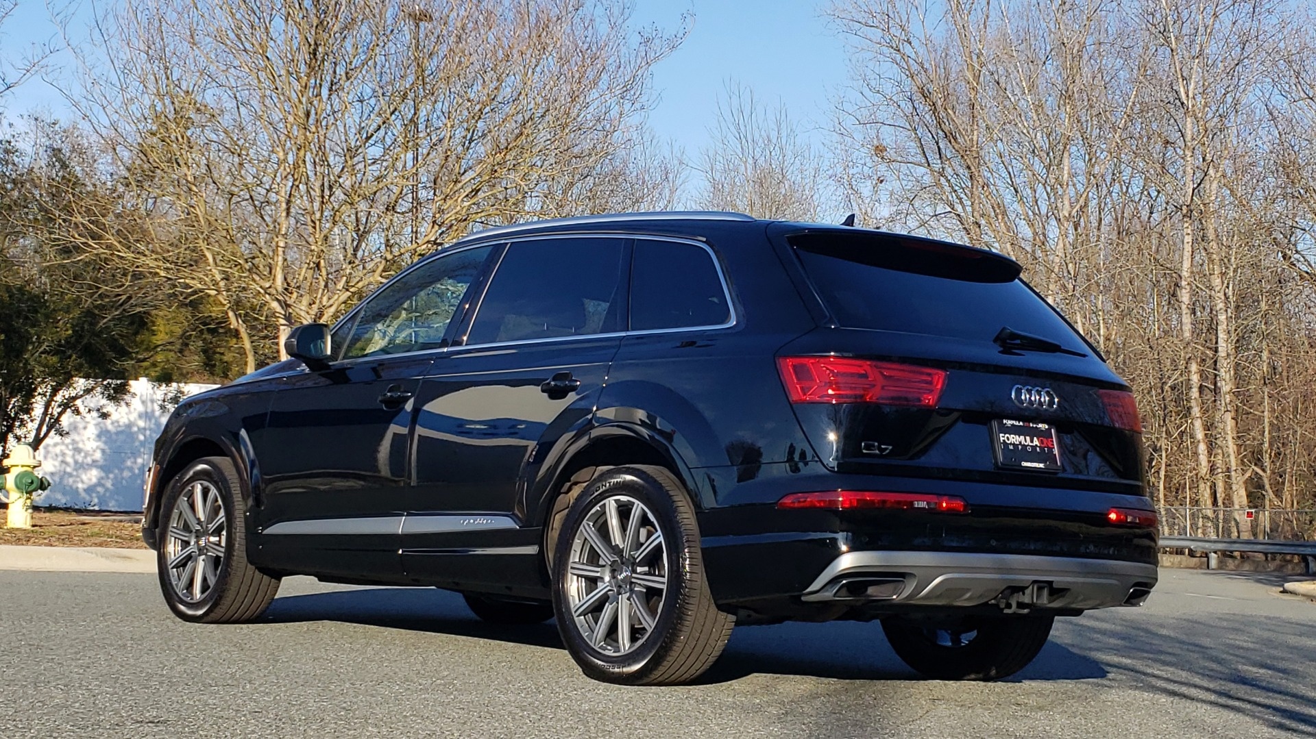 Used 2019 Audi Q7 PREMIUM PLUS / NAV / PANO-ROOF / 3-ROW / REARVIEW for sale Sold at Formula Imports in Charlotte NC 28227 3