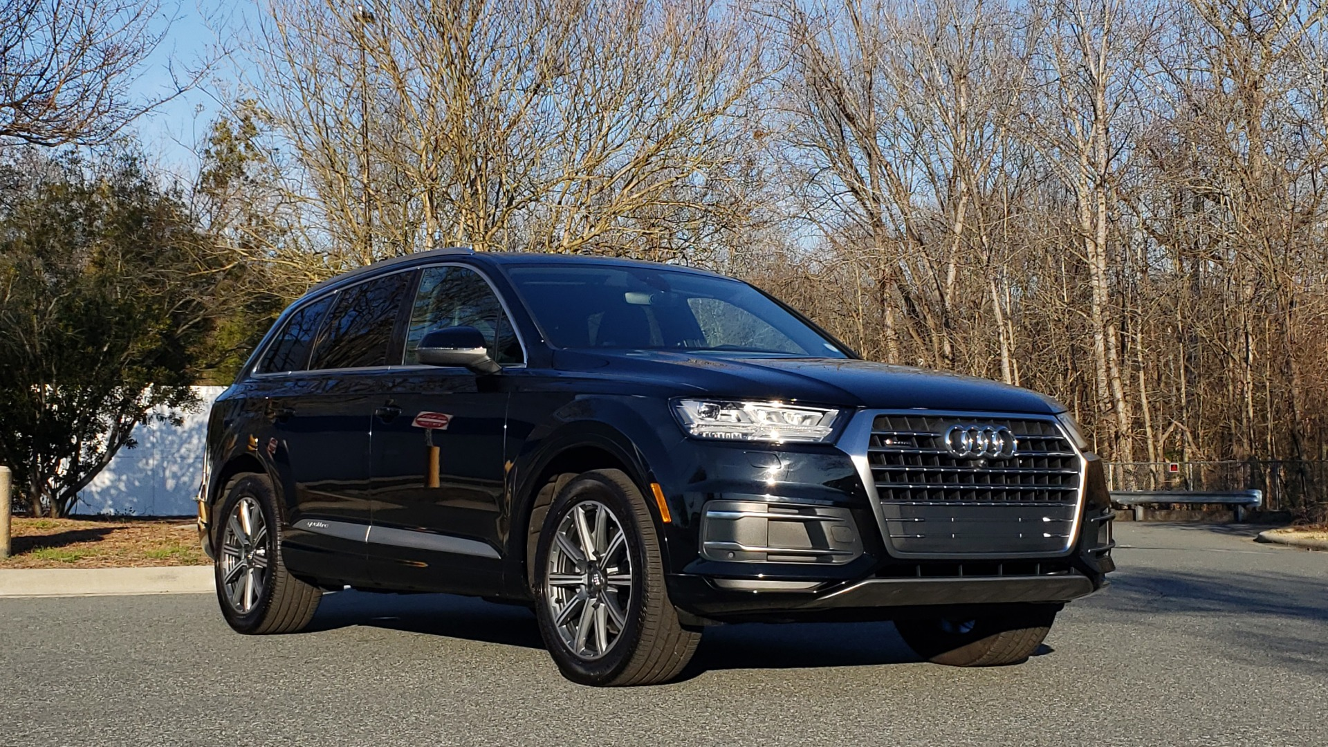 Used 2019 Audi Q7 PREMIUM PLUS / NAV / PANO-ROOF / 3-ROW / REARVIEW for sale Sold at Formula Imports in Charlotte NC 28227 4