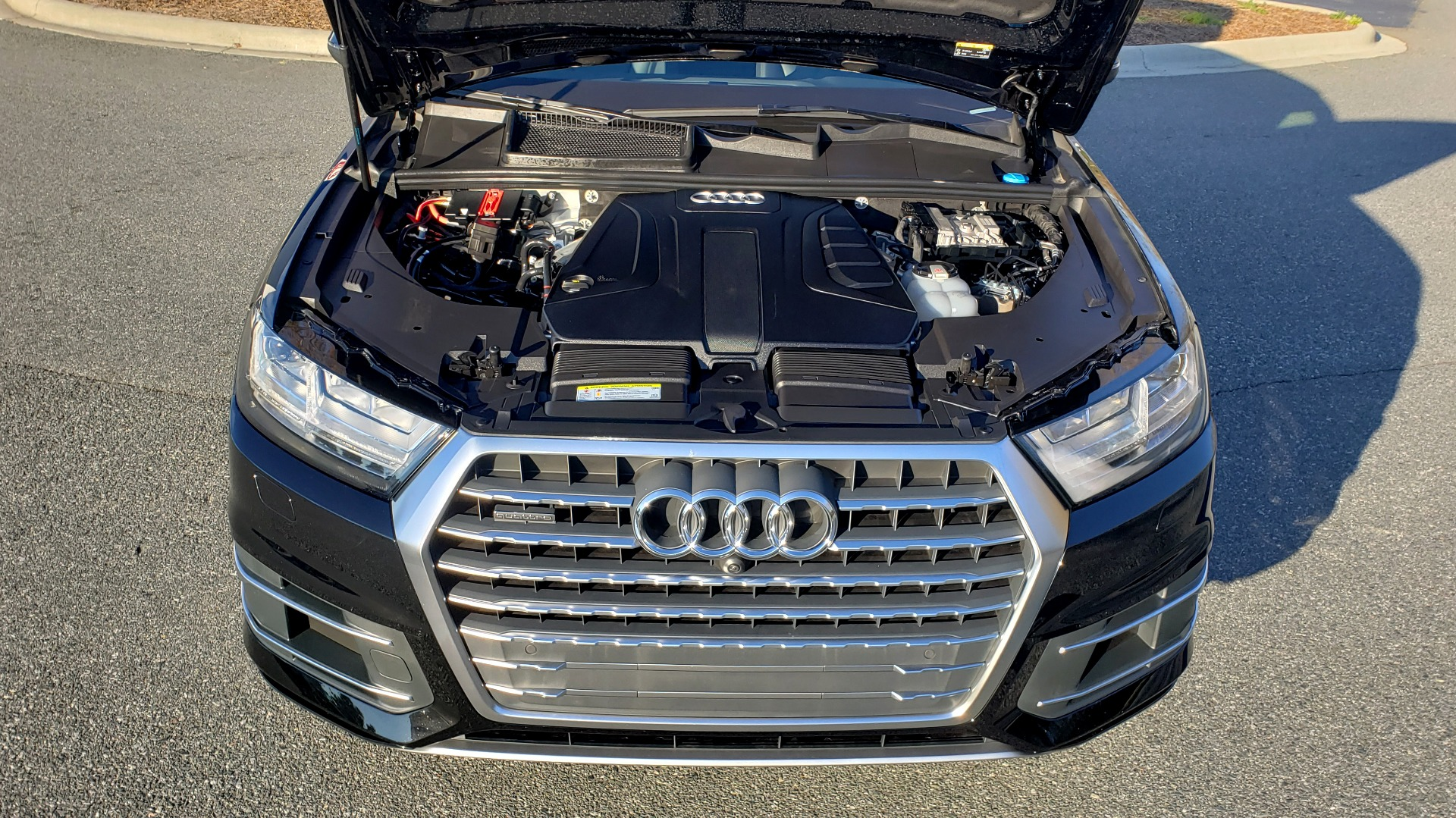 Used 2019 Audi Q7 PREMIUM PLUS / NAV / PANO-ROOF / 3-ROW / REARVIEW for sale Sold at Formula Imports in Charlotte NC 28227 9