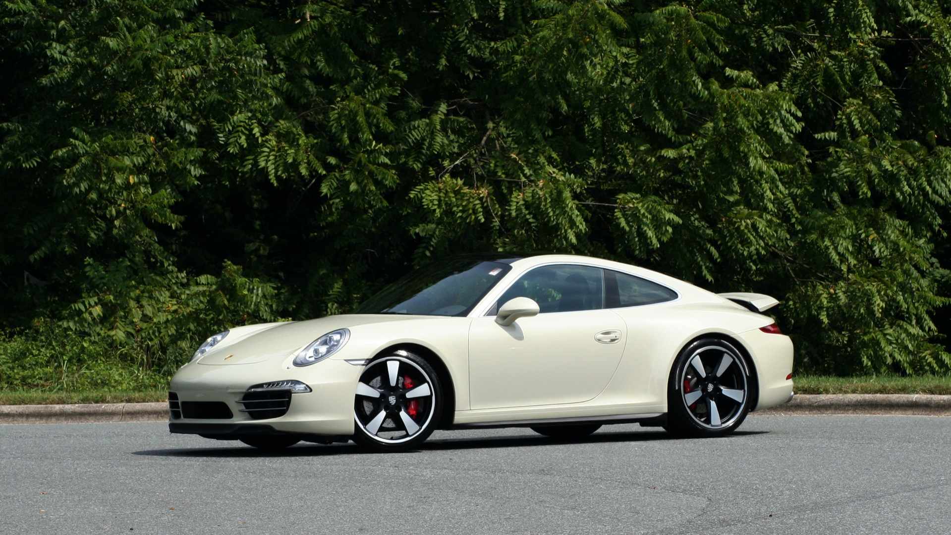 Used 2014 Porsche 911 50TH ANNIVERSARY EDITION NO. 0423 / 7-SPD MAN / NAV / BOSE for sale $119,999 at Formula One Imports in Charlotte NC 28227 2