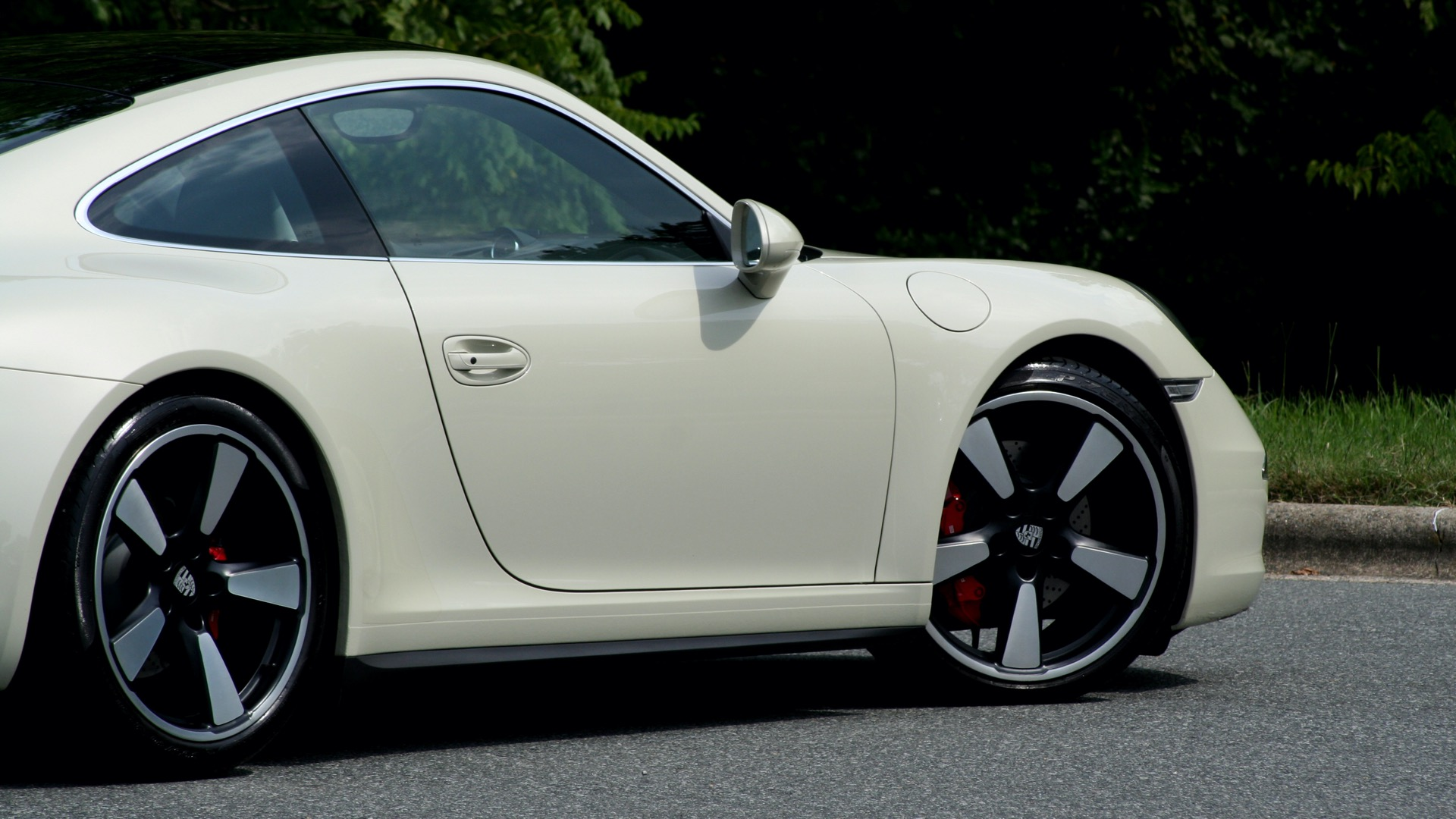 Used 2014 Porsche 911 50TH ANNIVERSARY EDITION NO. 0423 / 7-SPD MAN / NAV / BOSE for sale $118,999 at Formula One Imports in Charlotte NC 28227 6
