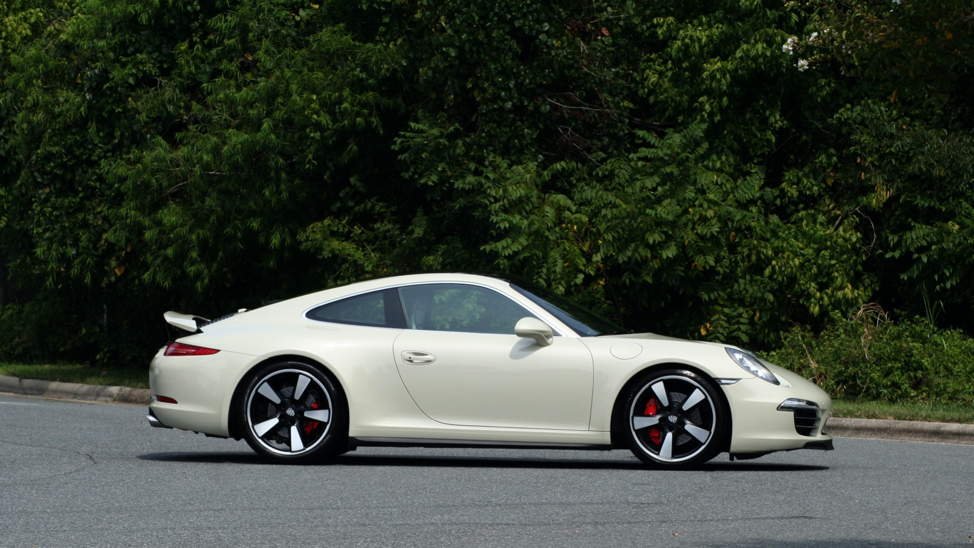 Used 2014 Porsche 911 50TH ANNIVERSARY EDITION NO. 0423 / 7-SPD MAN / NAV / BOSE for sale $117,999 at Formula Imports in Charlotte NC 28227 9