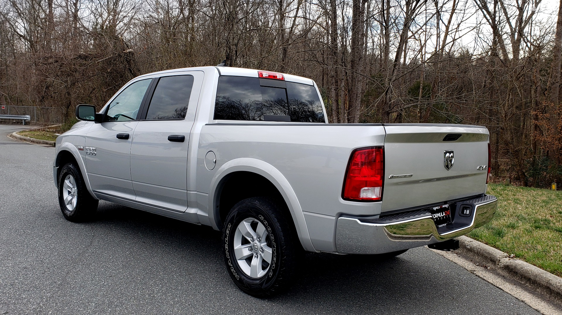 Used 2016 Ram 1500 OUTDOORSMAN 4X4 / CREW CAB / REARVIEW / HTD STS for sale Sold at Formula Imports in Charlotte NC 28227 3