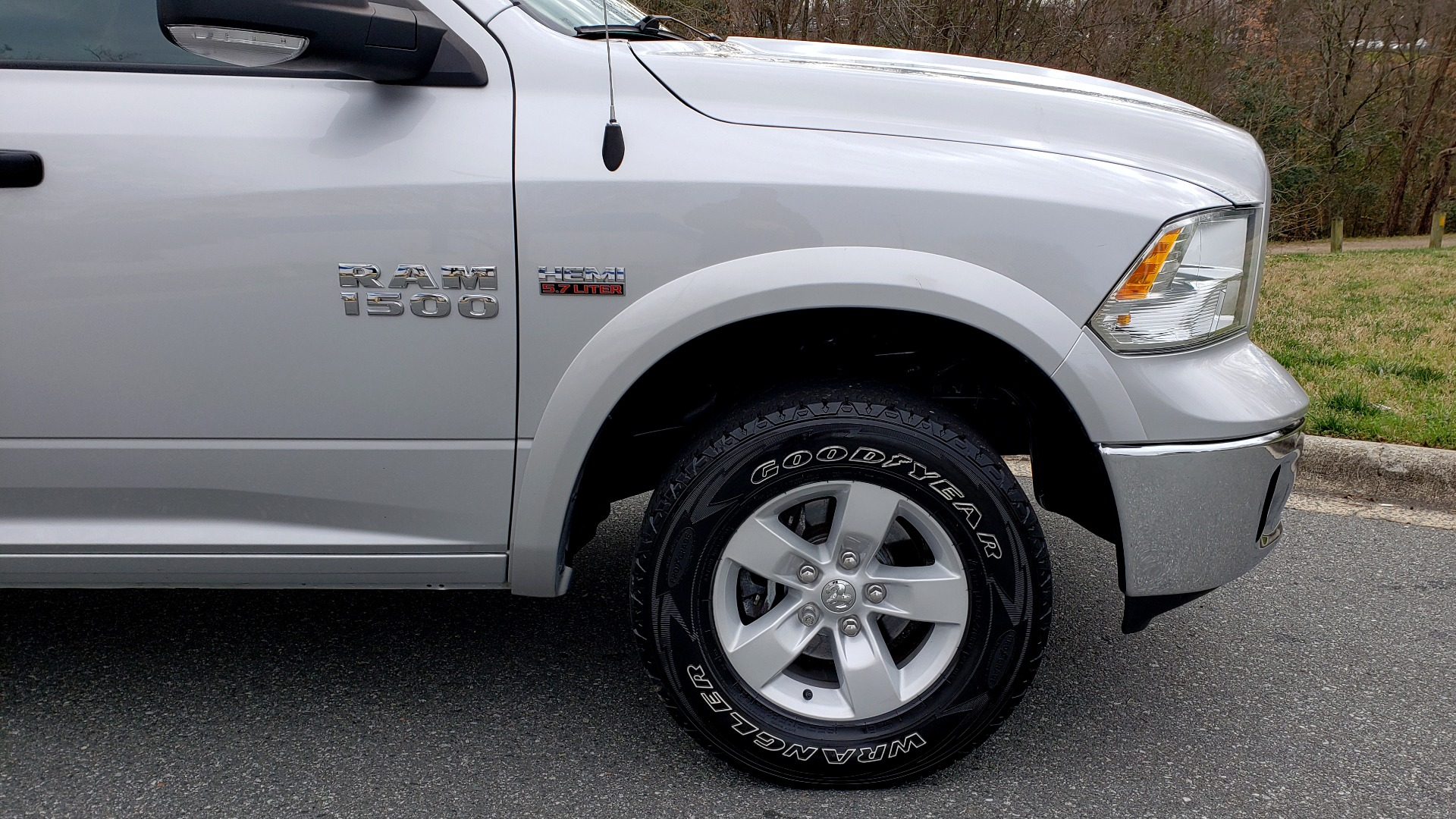 Used 2016 Ram 1500 OUTDOORSMAN 4X4 / CREW CAB / REARVIEW / HTD STS for sale Sold at Formula Imports in Charlotte NC 28227 78