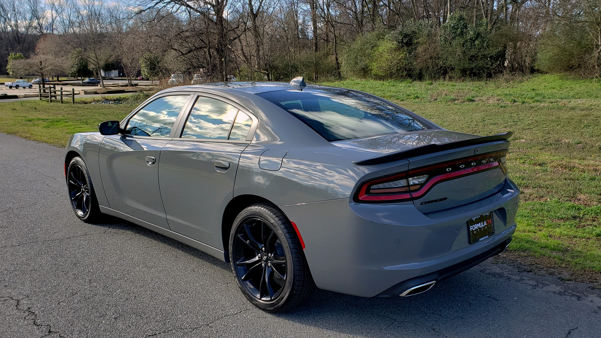Used 2018 Dodge CHARGER SXT PLUS W/BLACKTOP / V6 / AUTO / KEYLESS-GO / PARK ASST for sale Sold at Formula Imports in Charlotte NC 28227 3