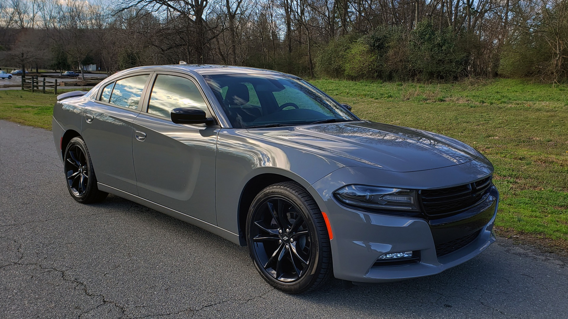 Used 2018 Dodge CHARGER SXT PLUS W/BLACKTOP / V6 / AUTO / KEYLESS-GO / PARK ASST for sale Sold at Formula Imports in Charlotte NC 28227 4
