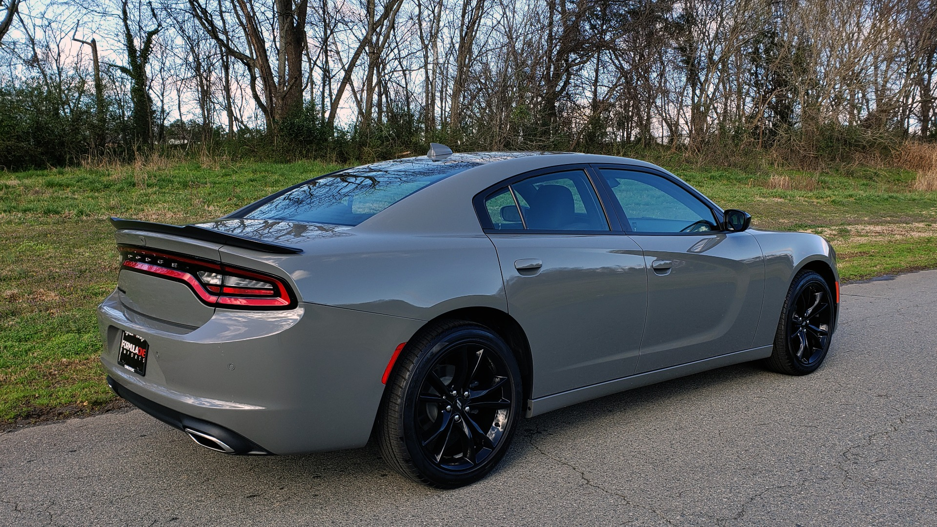 Used 2018 Dodge CHARGER SXT PLUS W/BLACKTOP / V6 / AUTO / KEYLESS-GO / PARK ASST for sale Sold at Formula Imports in Charlotte NC 28227 6