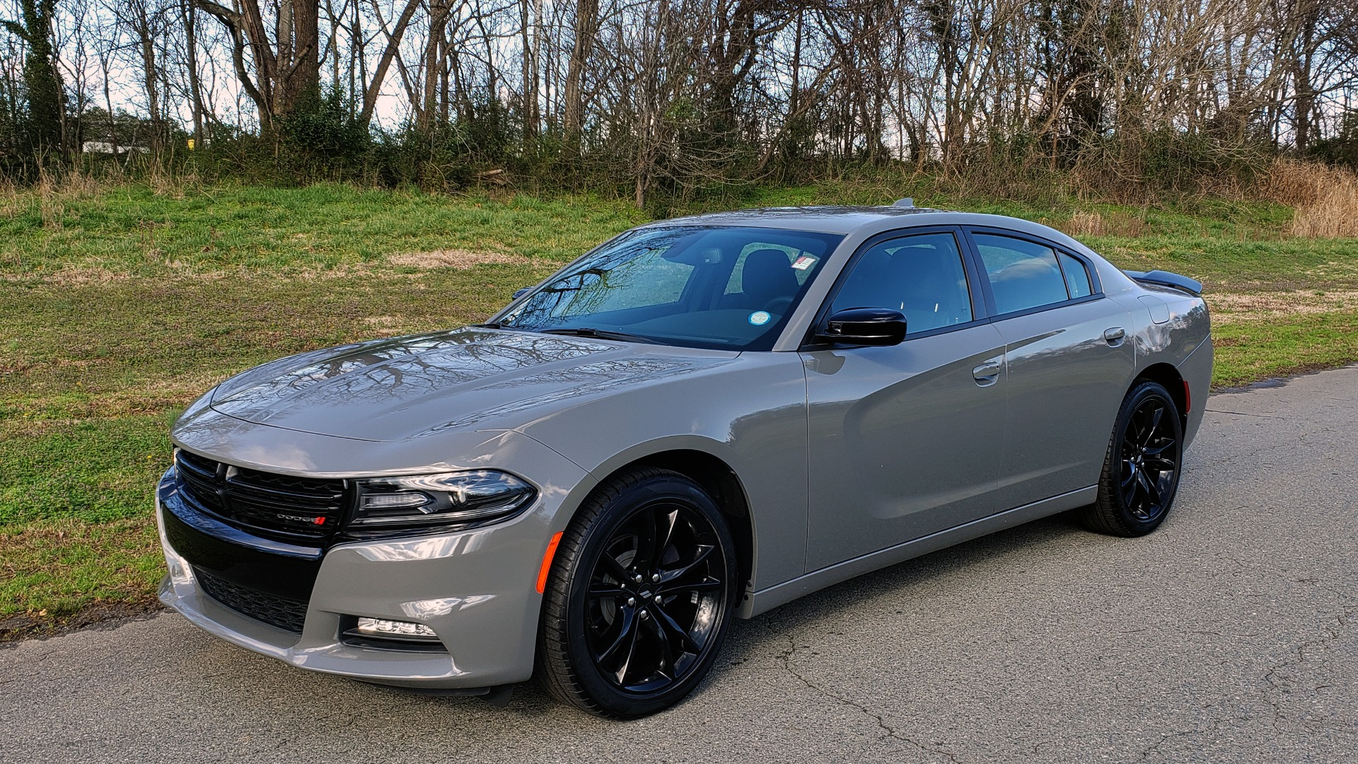Used 2018 Dodge CHARGER SXT PLUS W/BLACKTOP / V6 / AUTO / KEYLESS-GO / PARK ASST for sale Sold at Formula Imports in Charlotte NC 28227 1