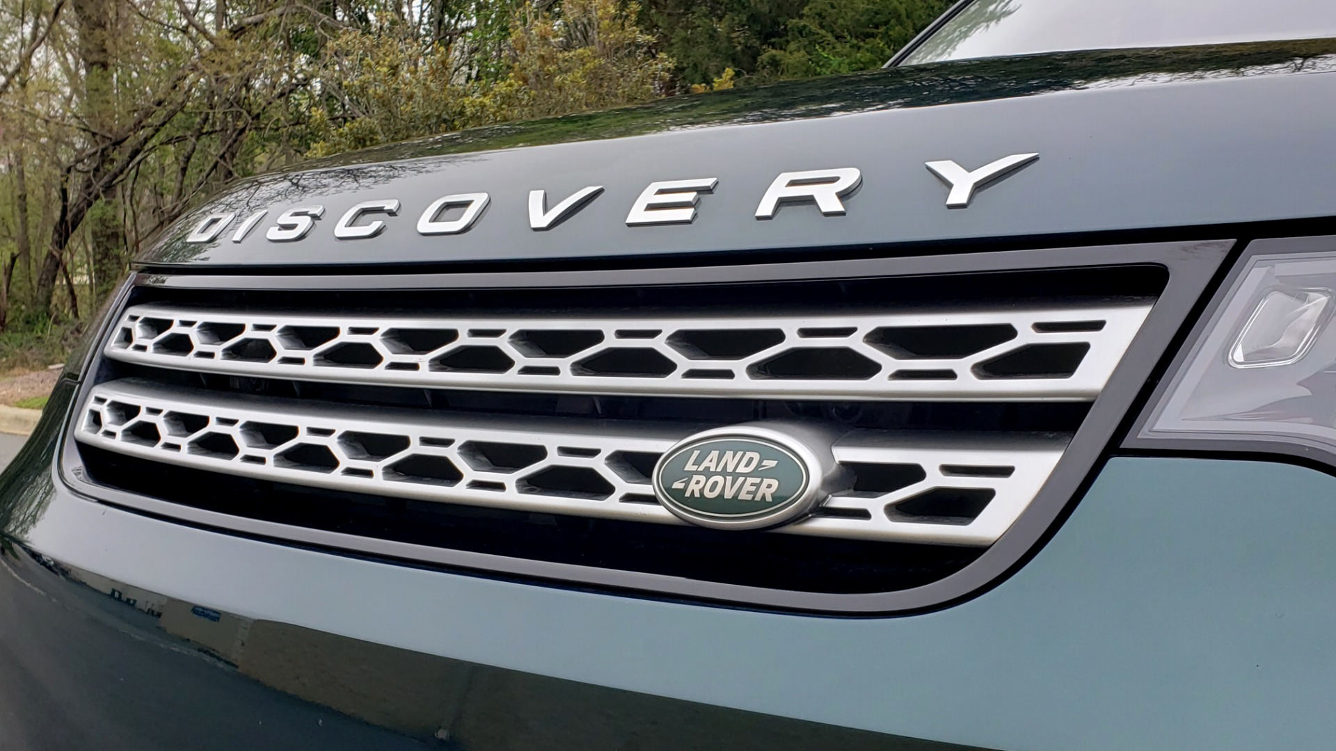 Used 2017 Land Rover DISCOVERY HSE LUXURY / 4WD / NAV / VISION ASST / DRIVE PKG / MERIDIAN for sale Sold at Formula Imports in Charlotte NC 28227 32