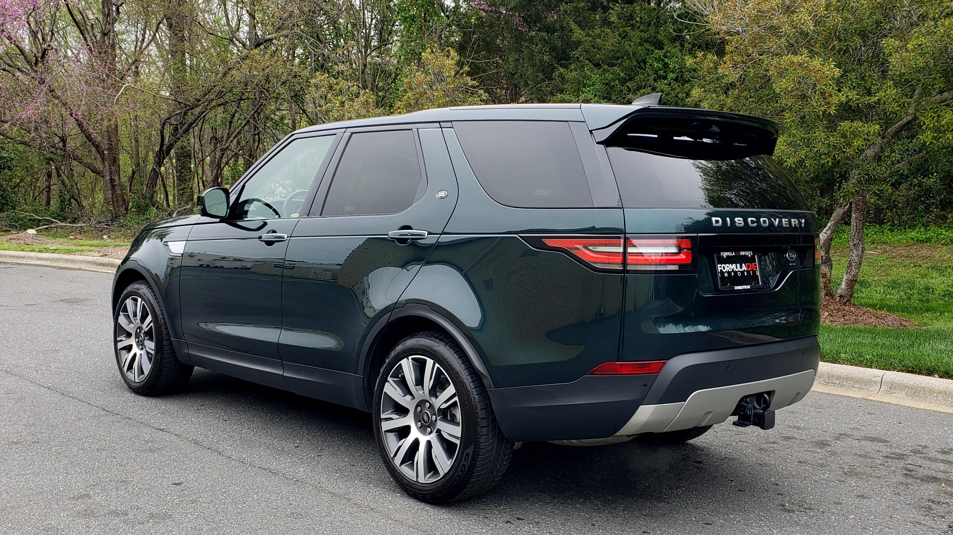 Used 2017 Land Rover DISCOVERY HSE LUXURY / 4WD / NAV / VISION ASST / DRIVE PKG / MERIDIAN for sale Sold at Formula Imports in Charlotte NC 28227 4