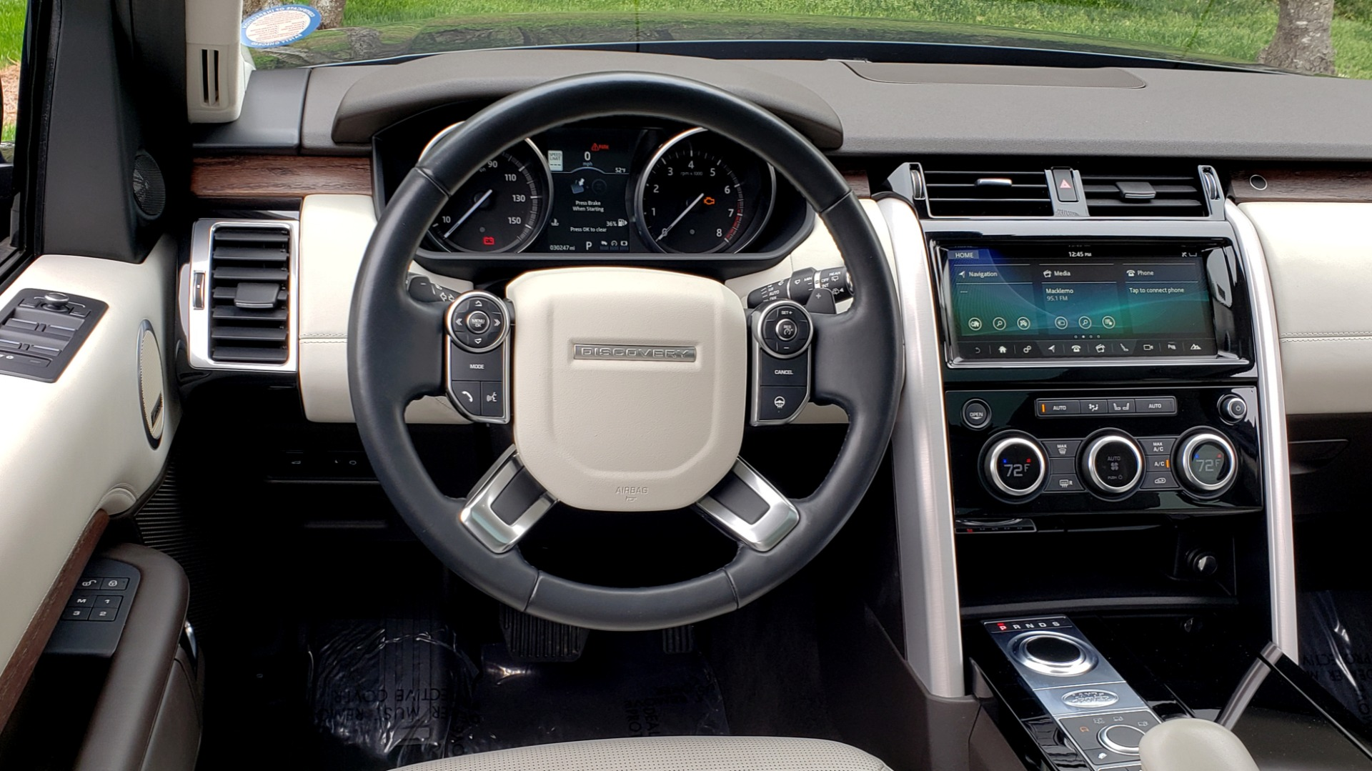 Used 2017 Land Rover DISCOVERY HSE LUXURY / 4WD / NAV / VISION ASST / DRIVE PKG / MERIDIAN for sale Sold at Formula Imports in Charlotte NC 28227 49