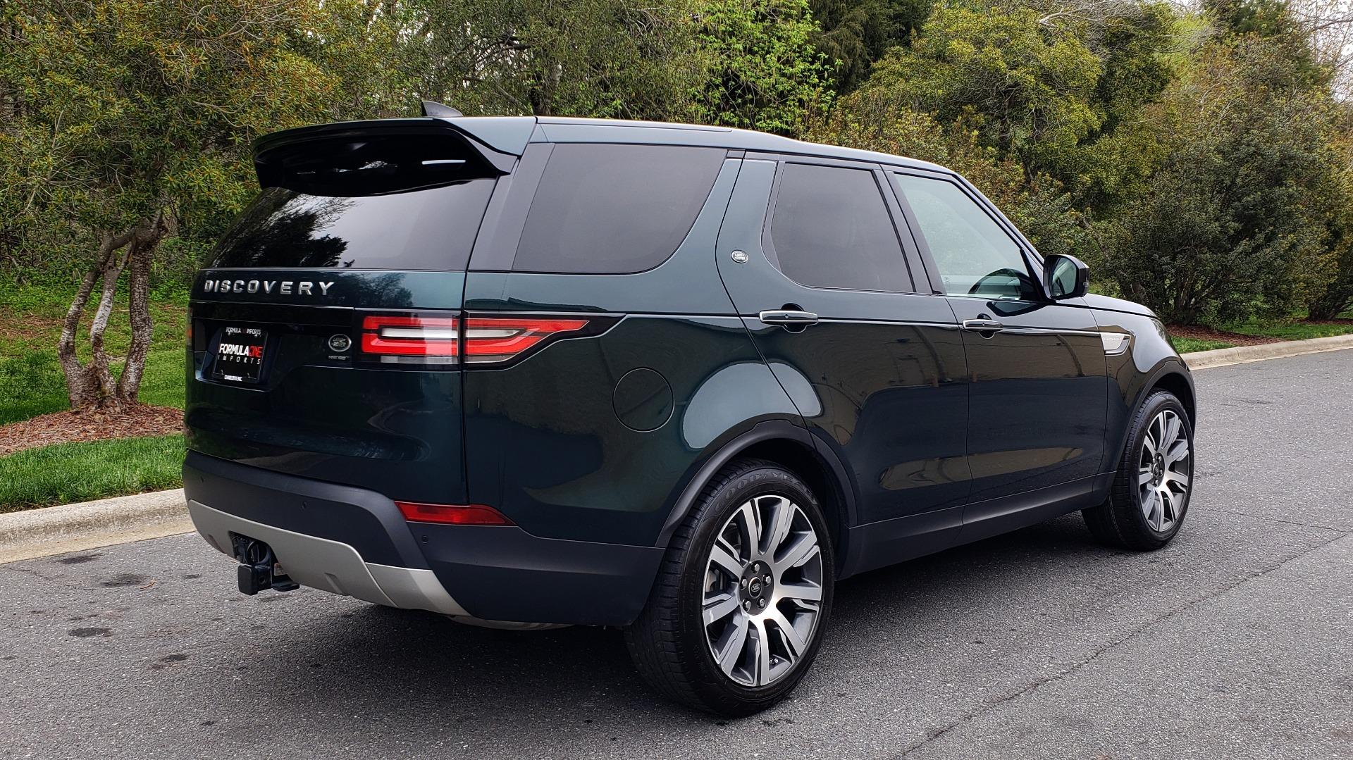 Used 2017 Land Rover DISCOVERY HSE LUXURY / 4WD / NAV / VISION ASST / DRIVE PKG / MERIDIAN for sale Sold at Formula Imports in Charlotte NC 28227 7