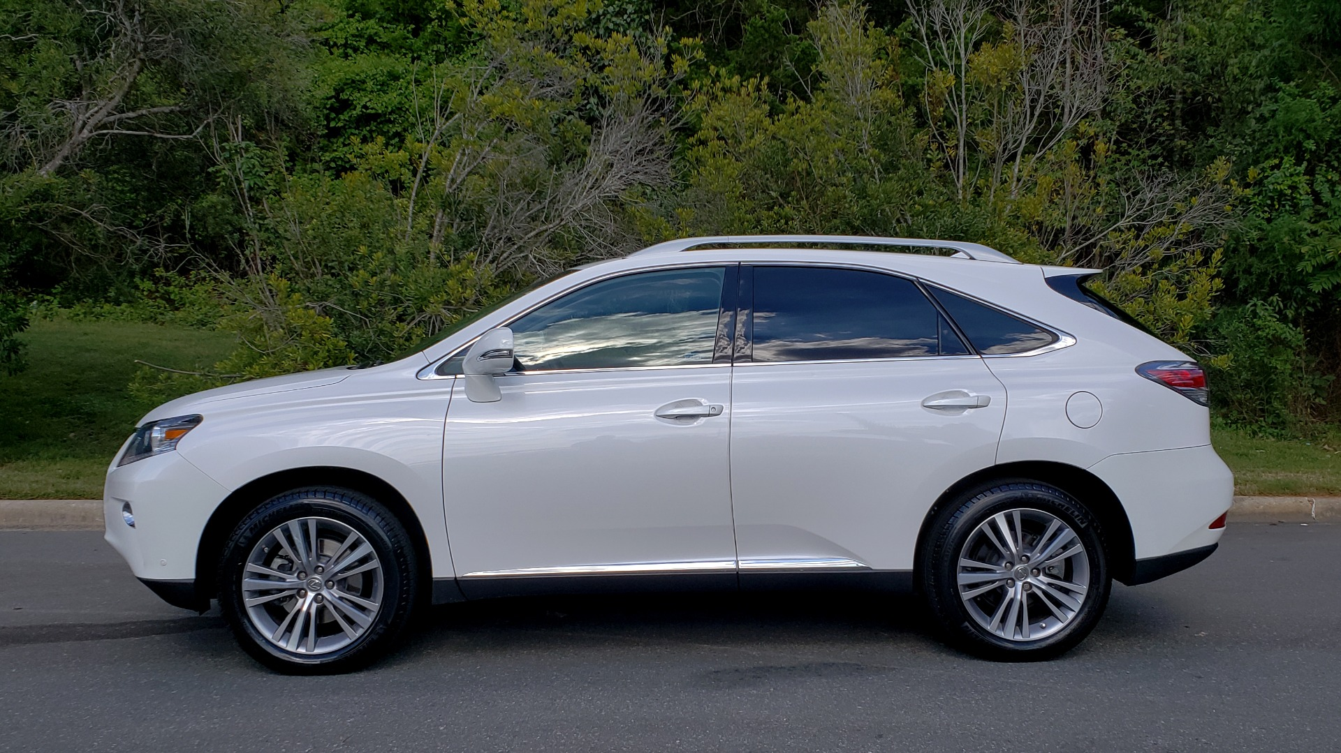 Used 2015 Lexus RX 350 PREMIUM PKG / COMFORT PKG / NAV / SUNROOF / BSM / TOWING for sale Sold at Formula Imports in Charlotte NC 28227 3
